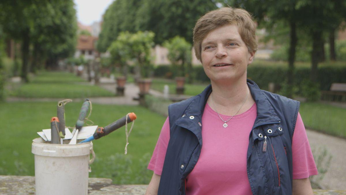 Susanne Wiebell, ehrenamtliche Gartenpflegerin in Nürnberg