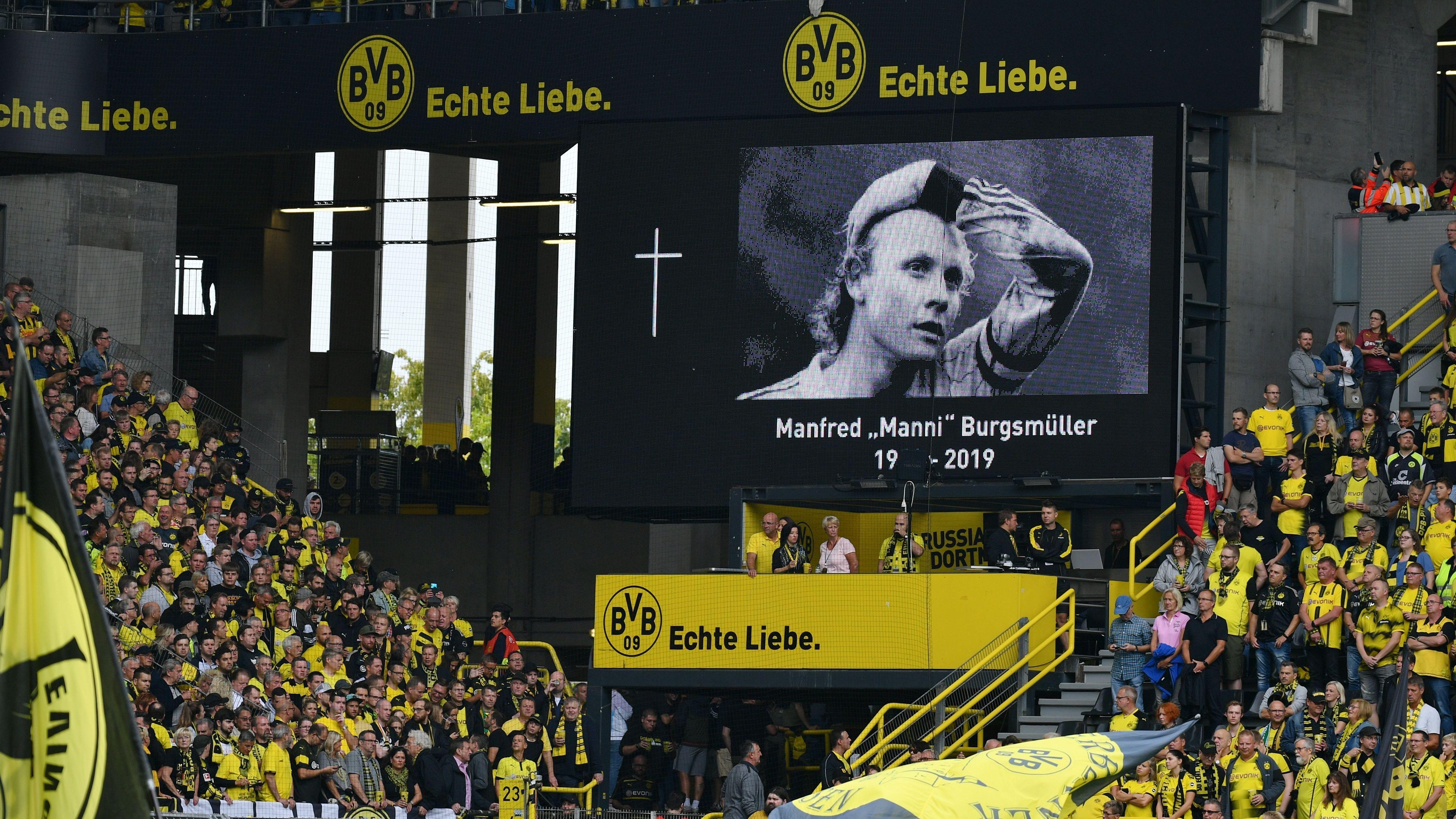 Gedenkminute für Manni Burgsmüller im BVB-Stadion