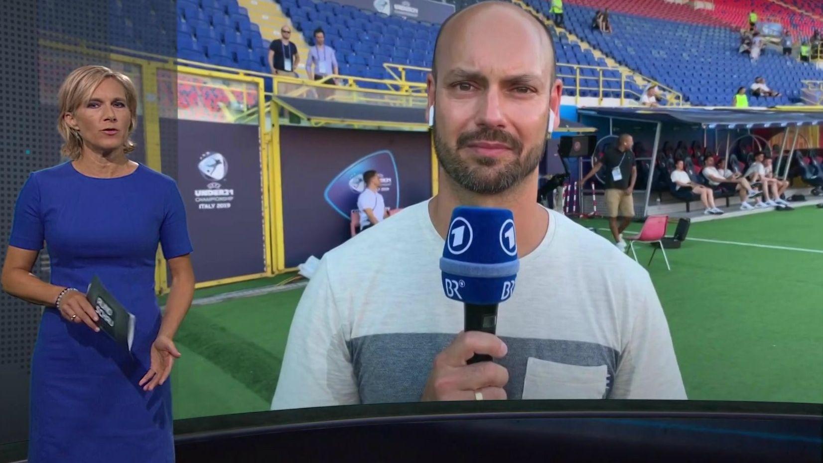 BR-Reporter Andre Siems im Gespräch mit Moderatorin Julia Büchler
