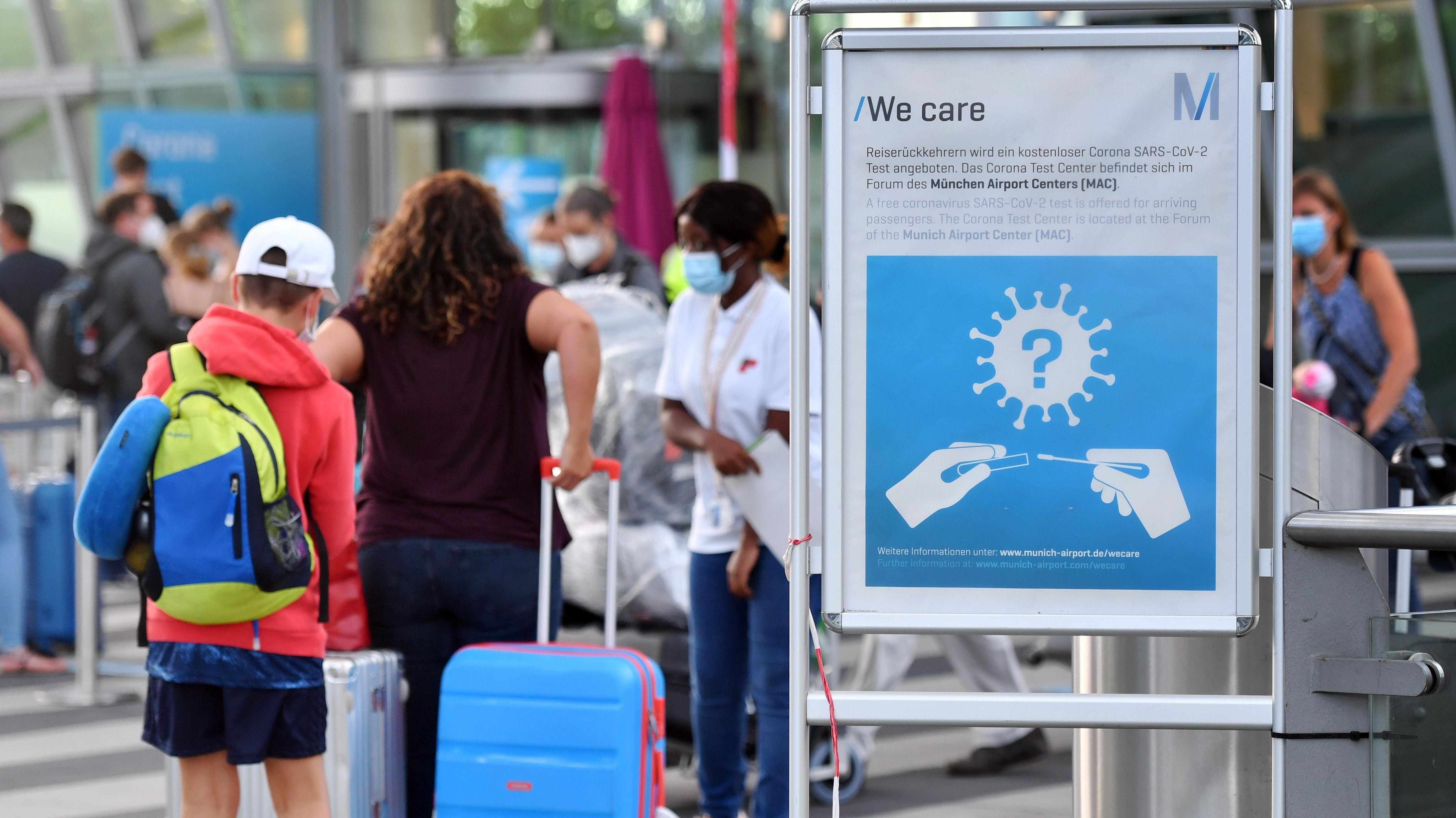 Probelauf mit Corona Schnelltests startet am Flughafen München   BR20
