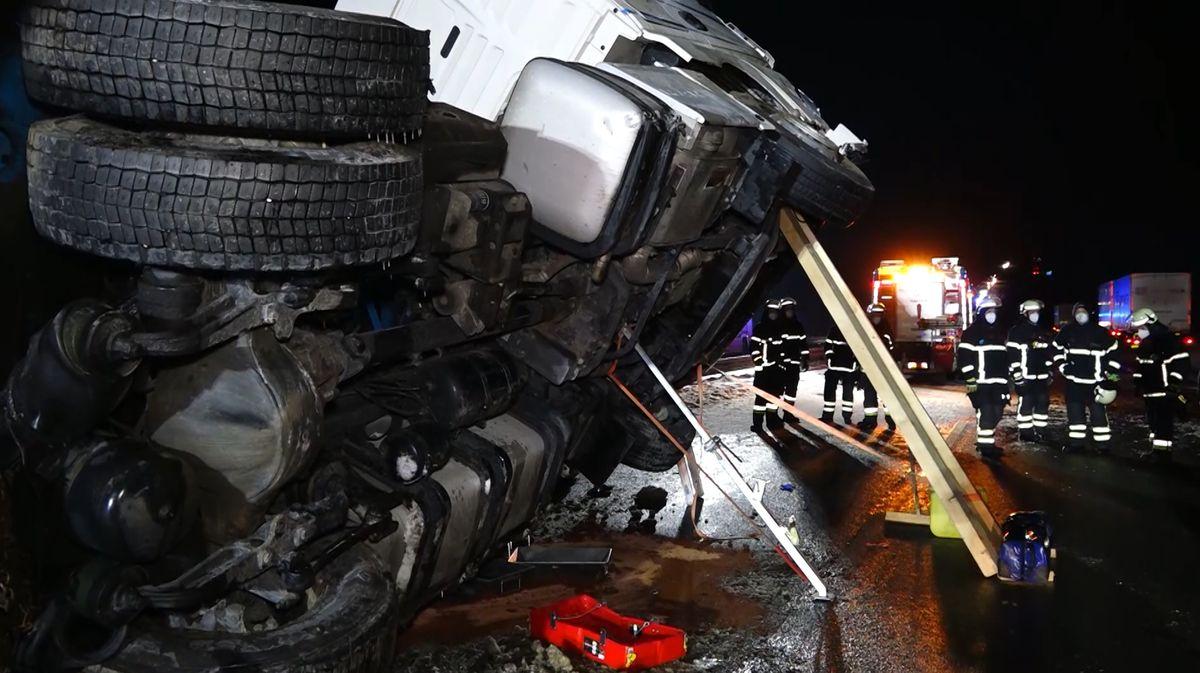 Schwerer Lkw-Unfall auf der A9 bei Allersberg