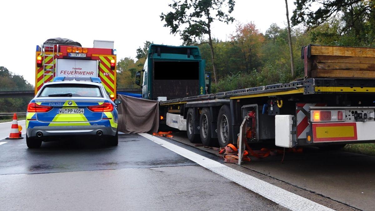 Lkw-Fahrer kommt auf der A7 bei Biebelried ums Leben.