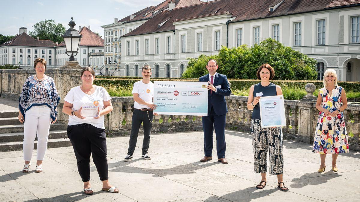"""Herzwerker-Preis für Erzieher*innen des """"Theresienheim"""" in Karlstadt"""