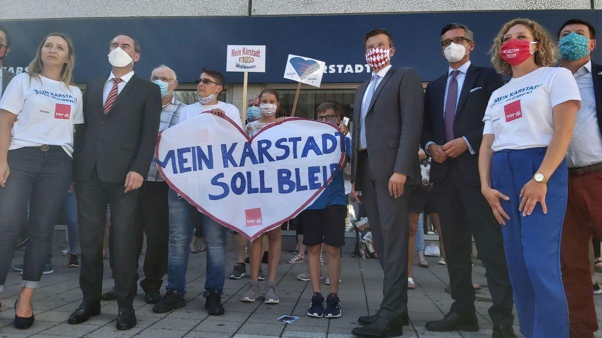 Demo zur Rettung der Karstadt-Filiale in Nürnberg-Langwasser