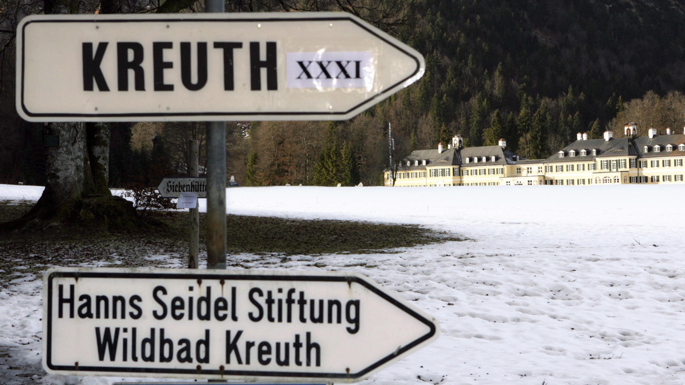 Archivbild: Wegweiser zur 31. Klausur der CSU in Kreuth 2007
