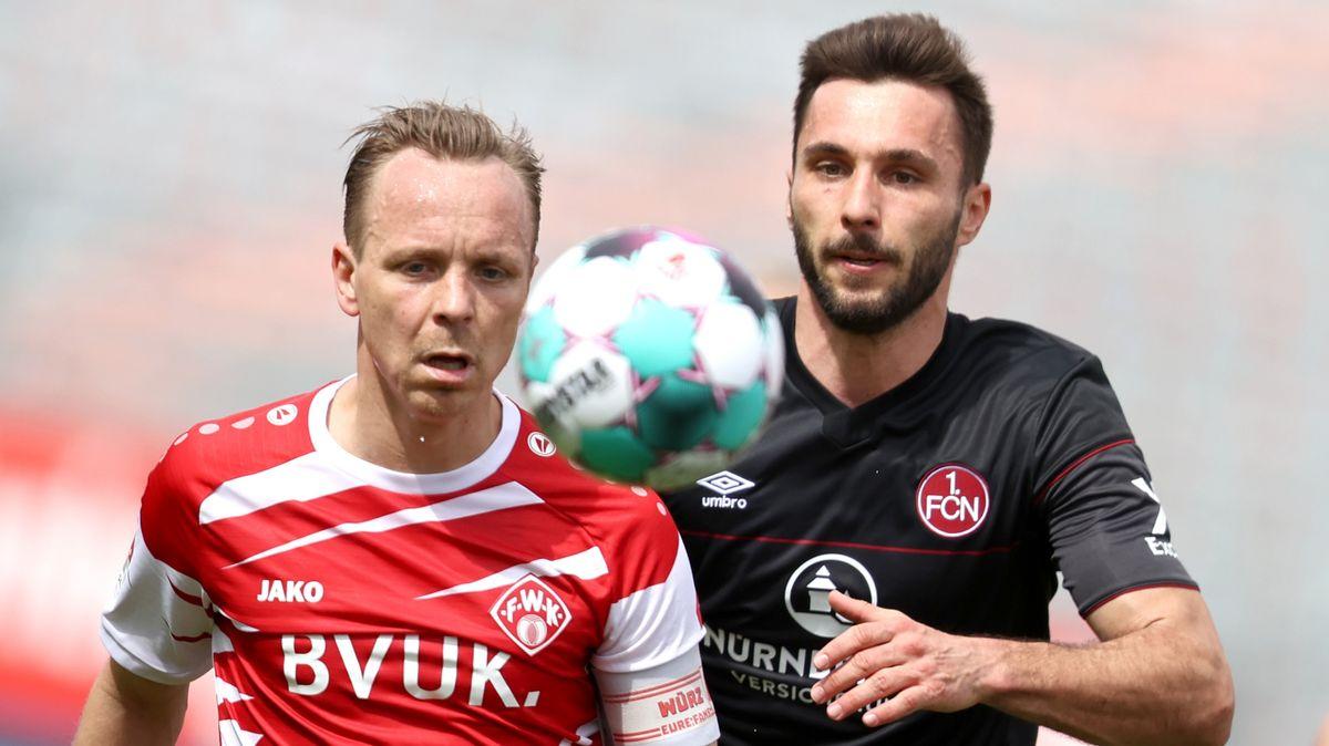 Spielszene mit Arne Feick (l.) und Fabian Schleusener