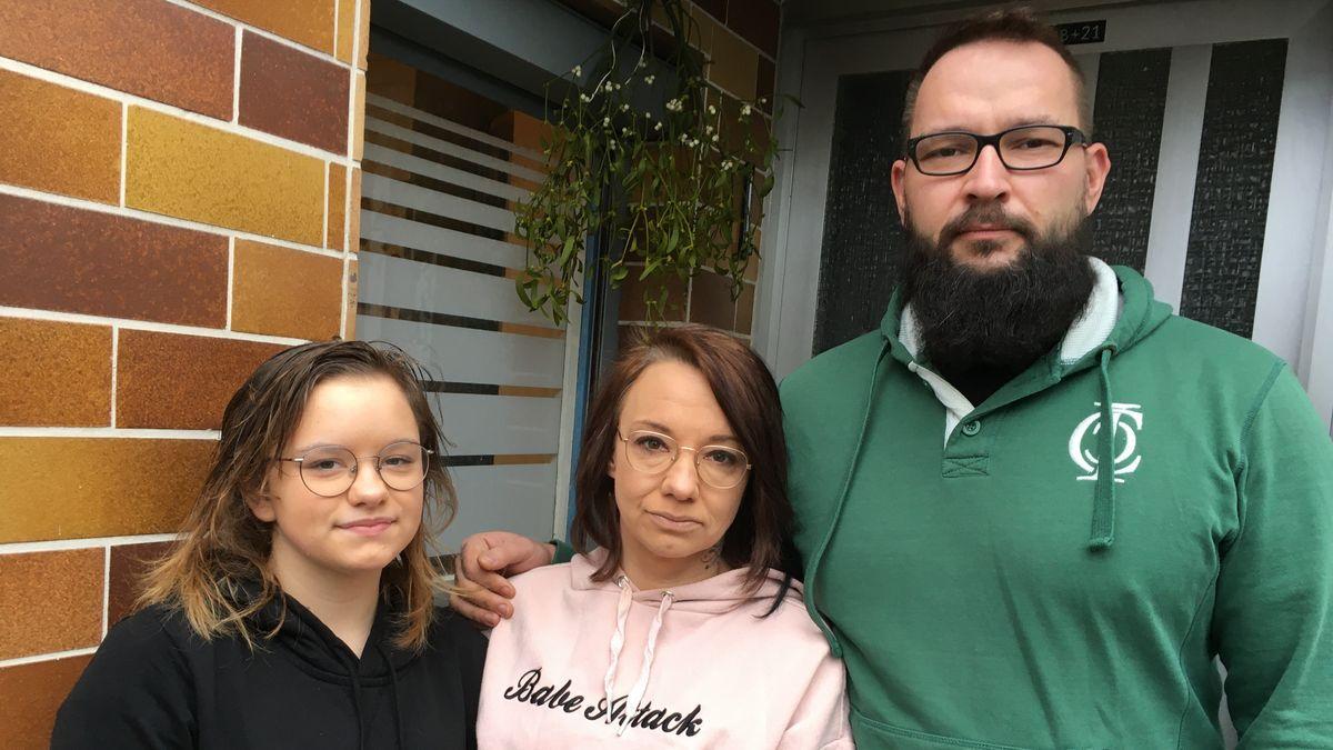 Brandopfer Tina Miller mit Tochter Amy und Lebensgefährte Lars