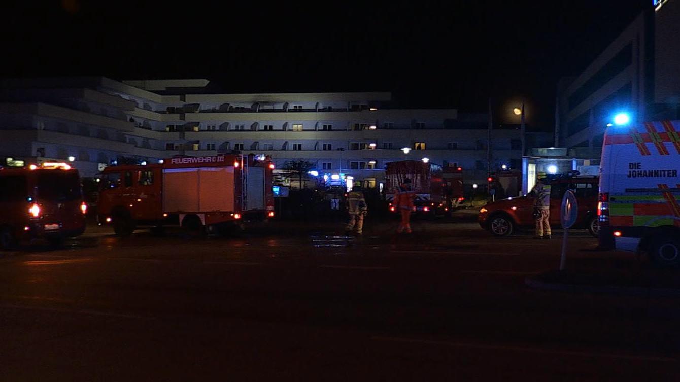 In diesem Wohnblock im Südwesten von Regensburg ist das Feuer ausgebrochen.