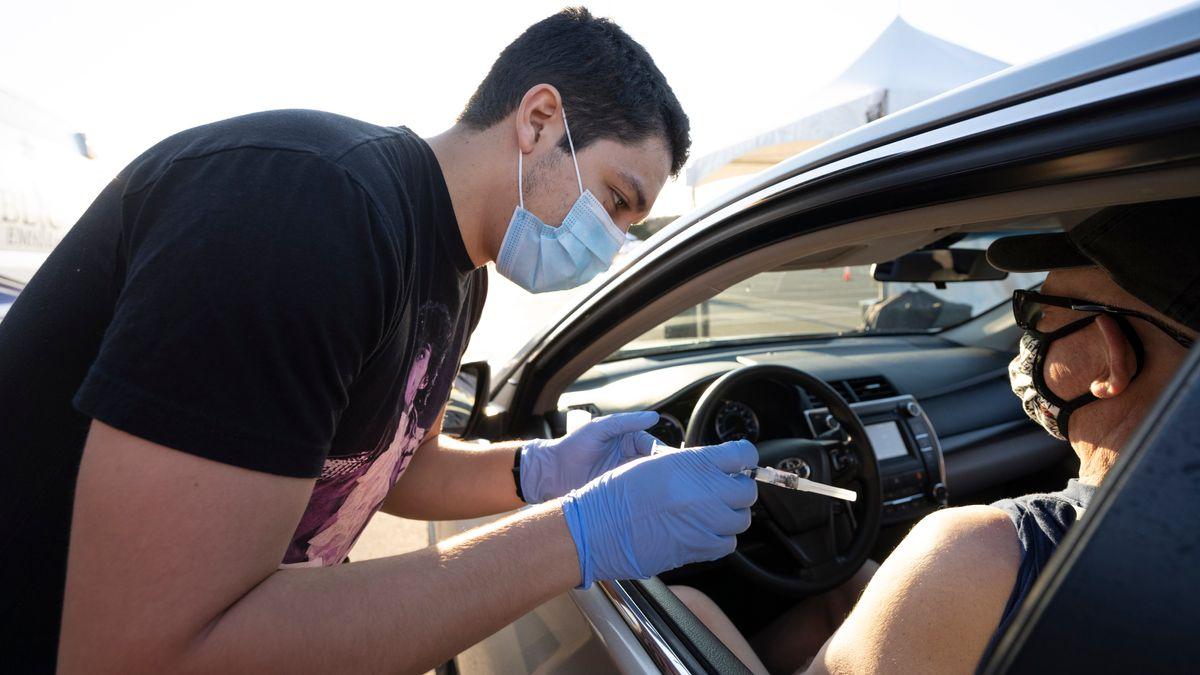 Corona-Impfung in Texas im Drive-Through