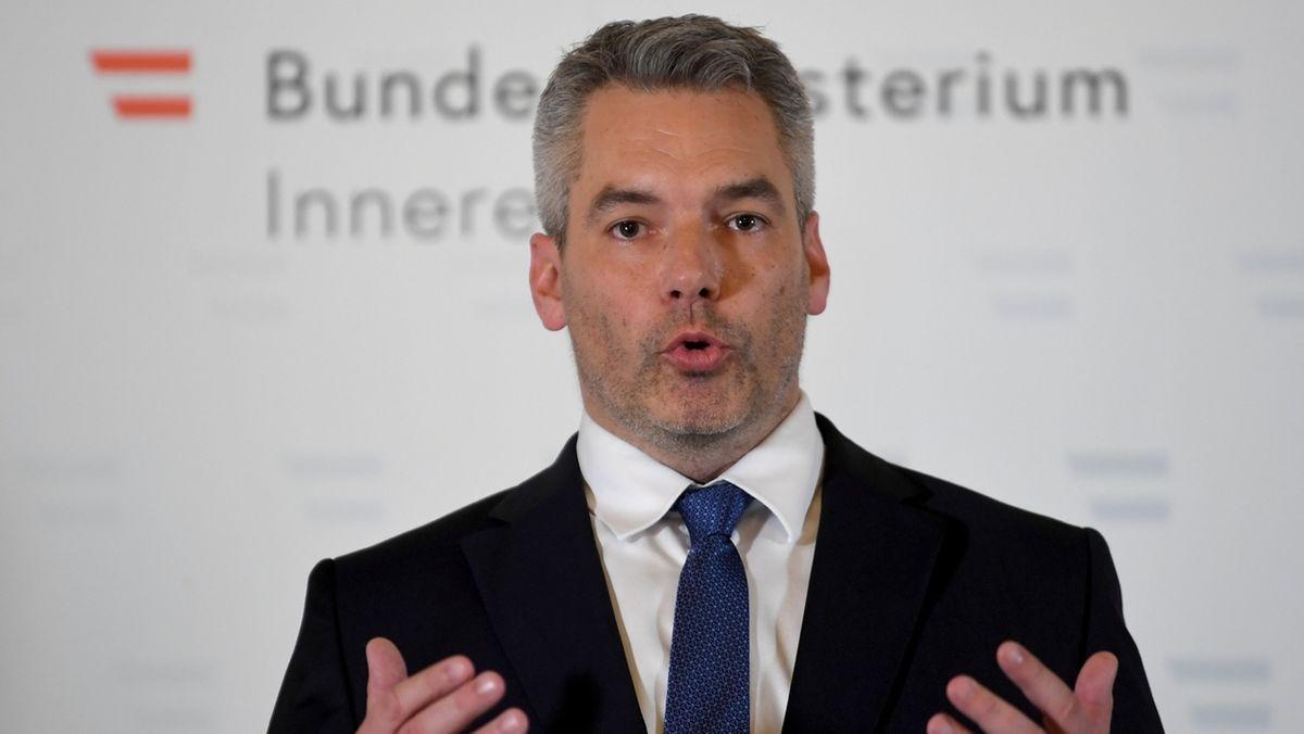 Nach dem Terrorangriff in Wien: Innenminister Karl Nehammer.