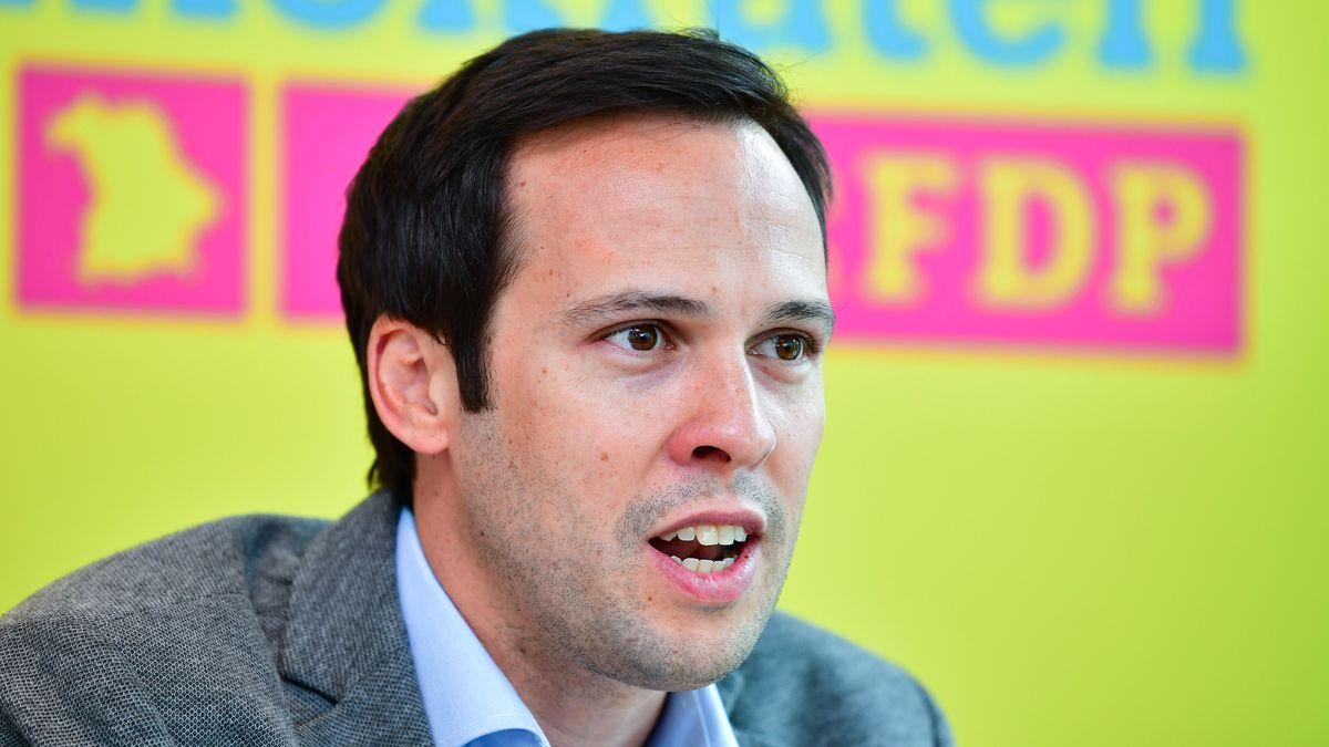 Martin Hagen (FDP) äußert sich zur Corona-Krise (Archivbild).