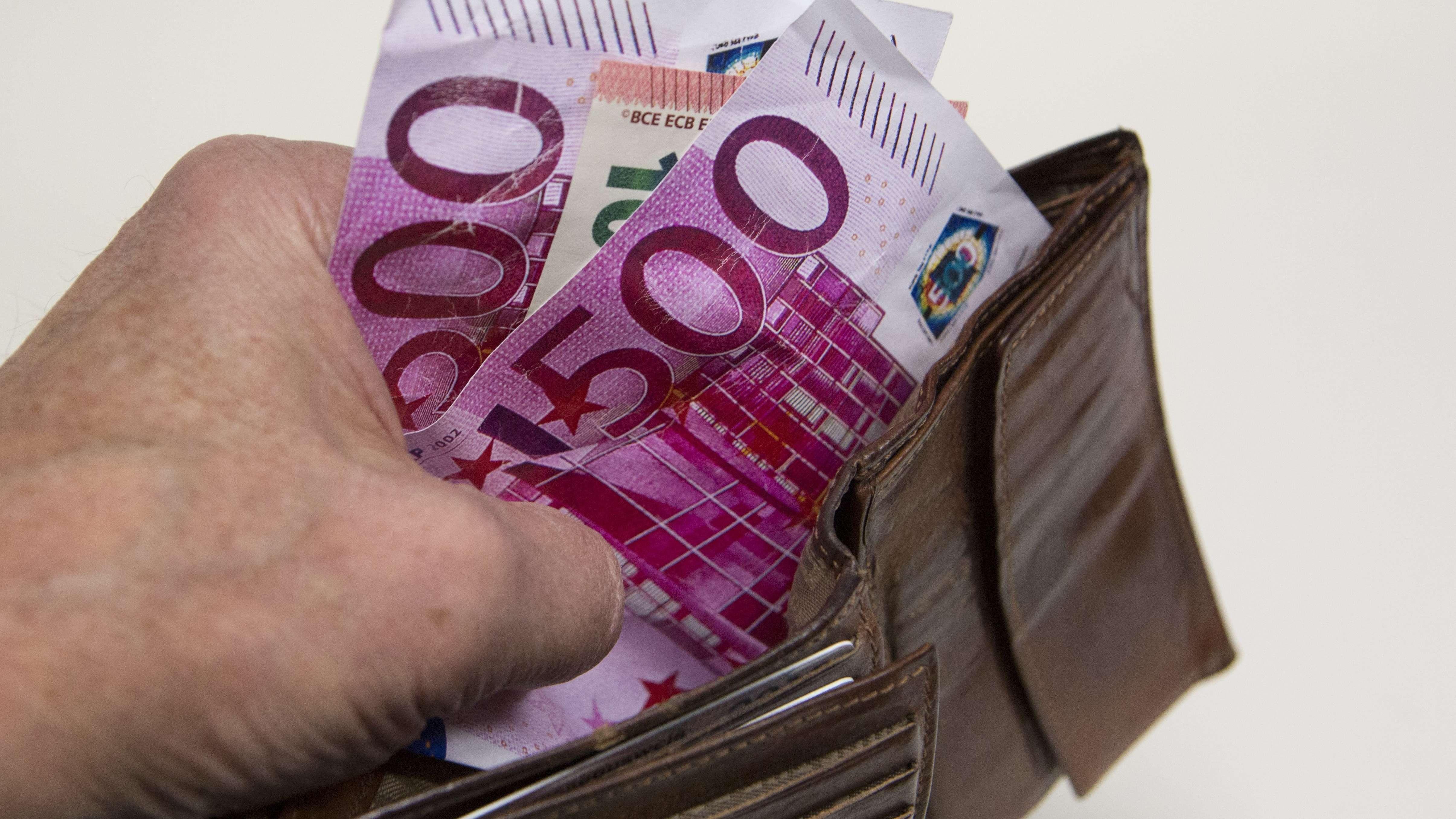500-Euro-Scheine in einer Geldbörse