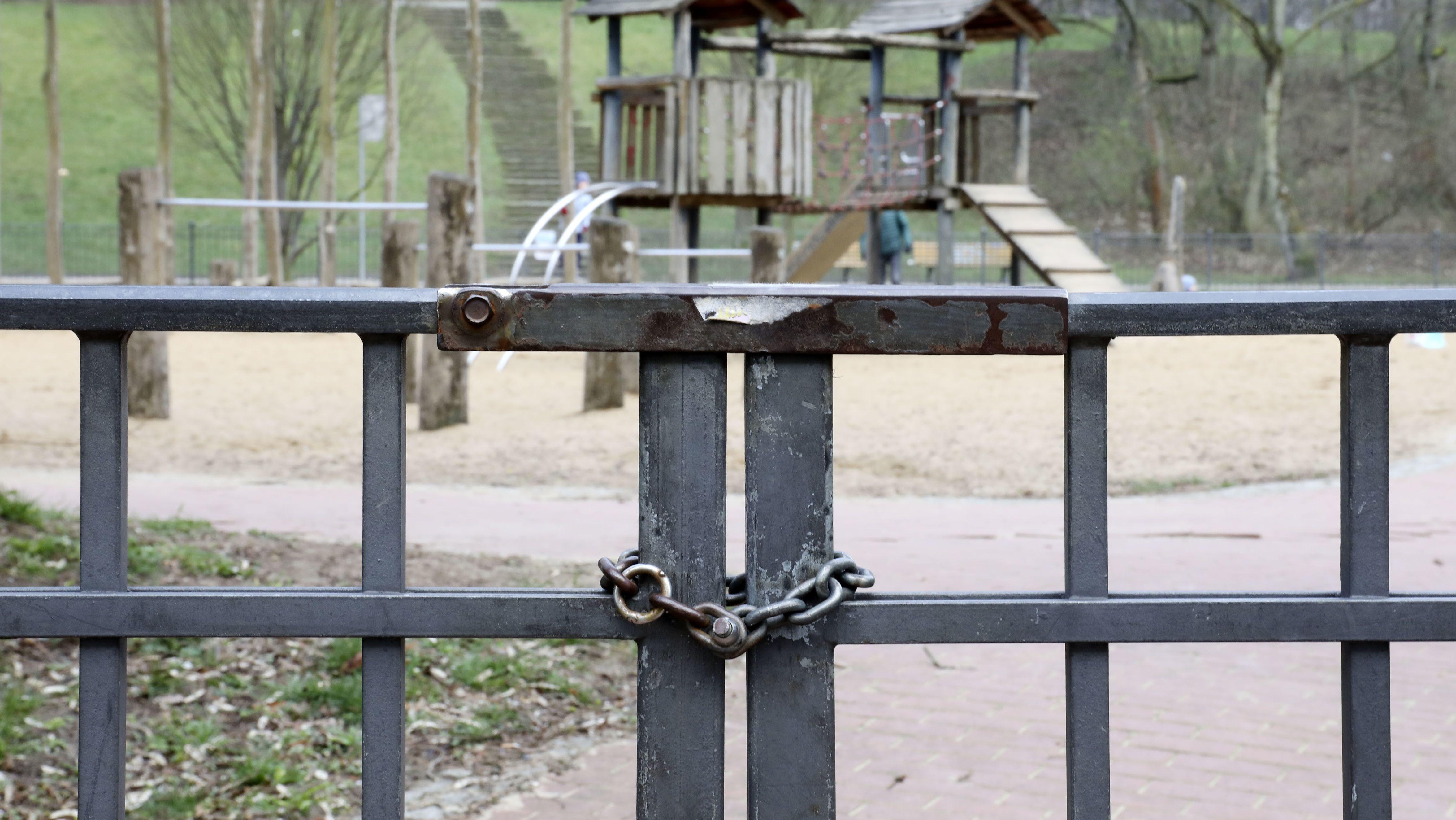 Geschlossener Spielplatz (Symbolbild)