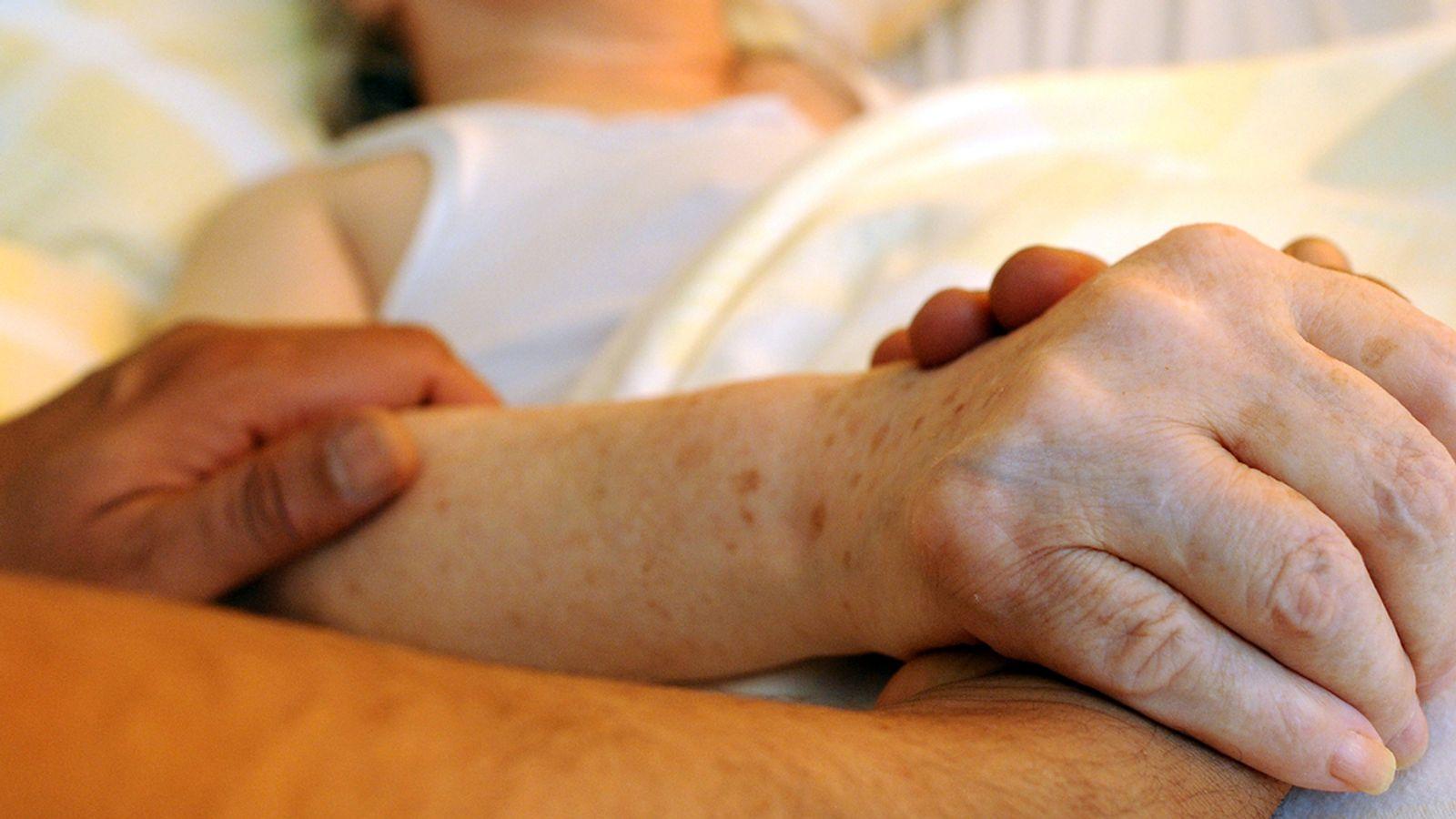 Sterbehilfe: Die wichtigsten Fragen und Antworten