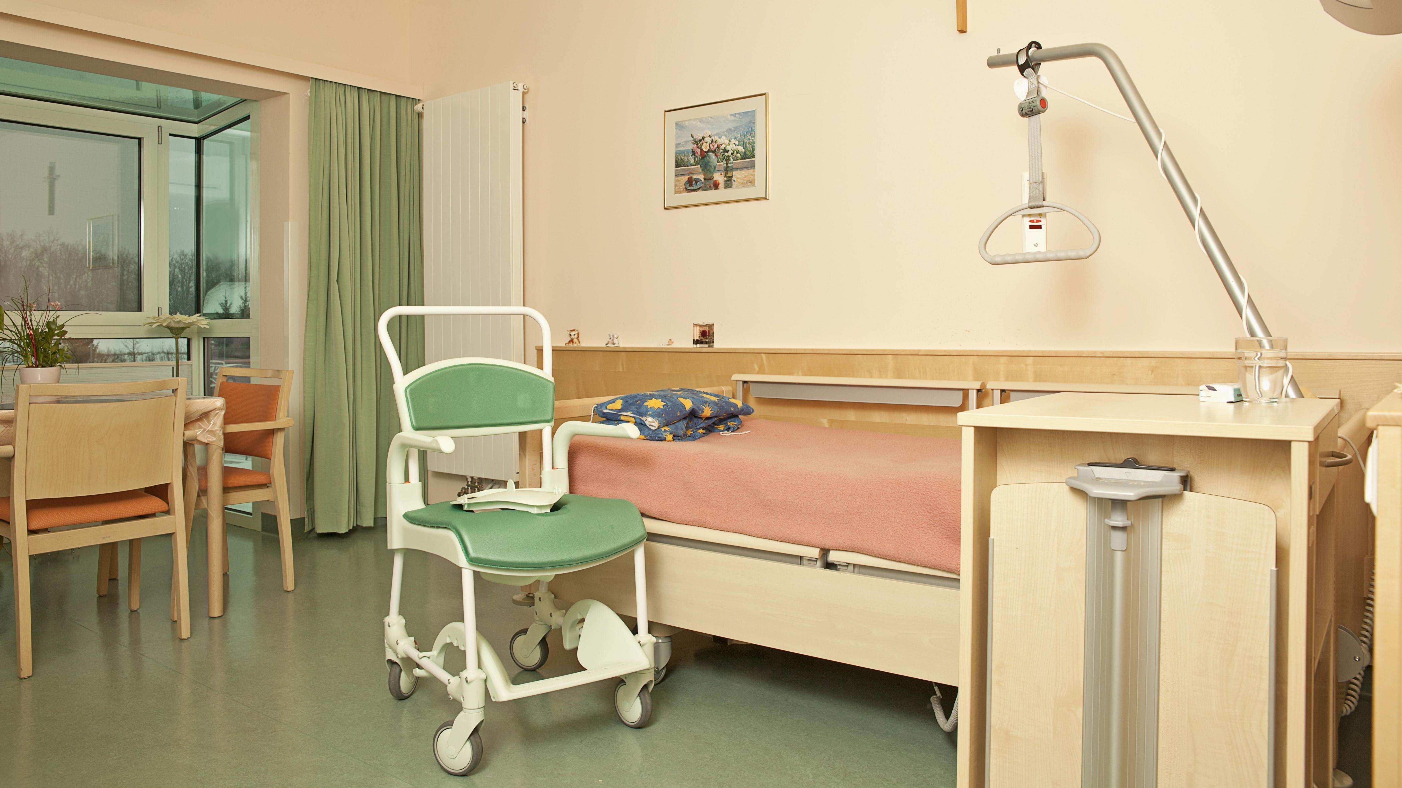 Fachkraftquote für Pflegeheime stellt Heimbetreiber vor Probleme