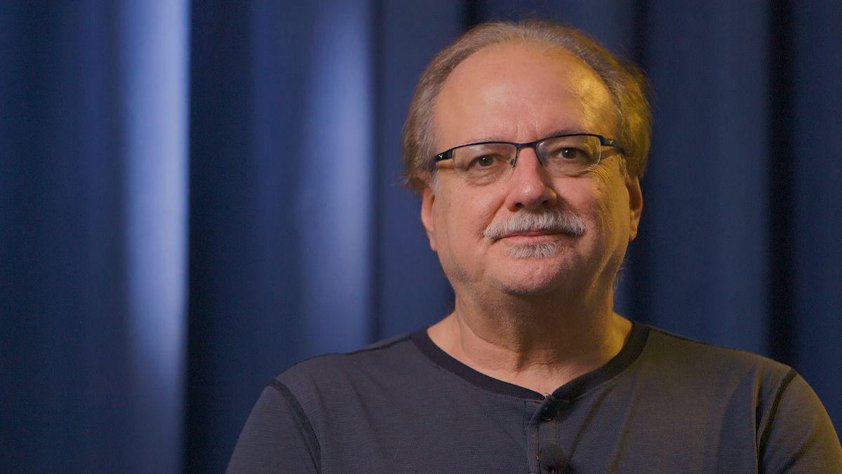 Helmut Kiener beim Interview.
