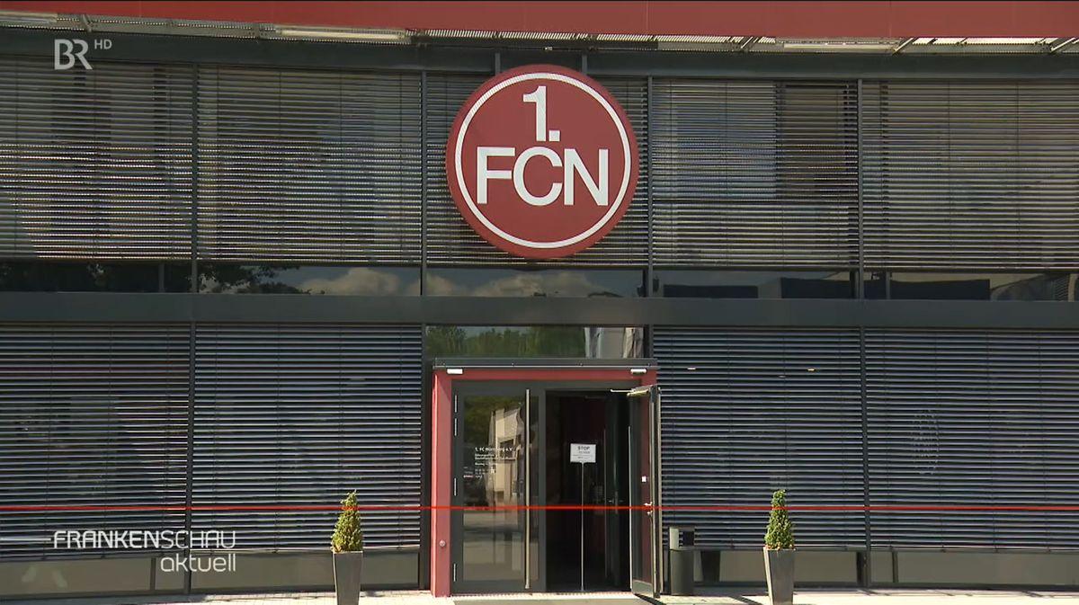 Eingangsbereich 1. FC Nürnberg mit geöffneter Tür