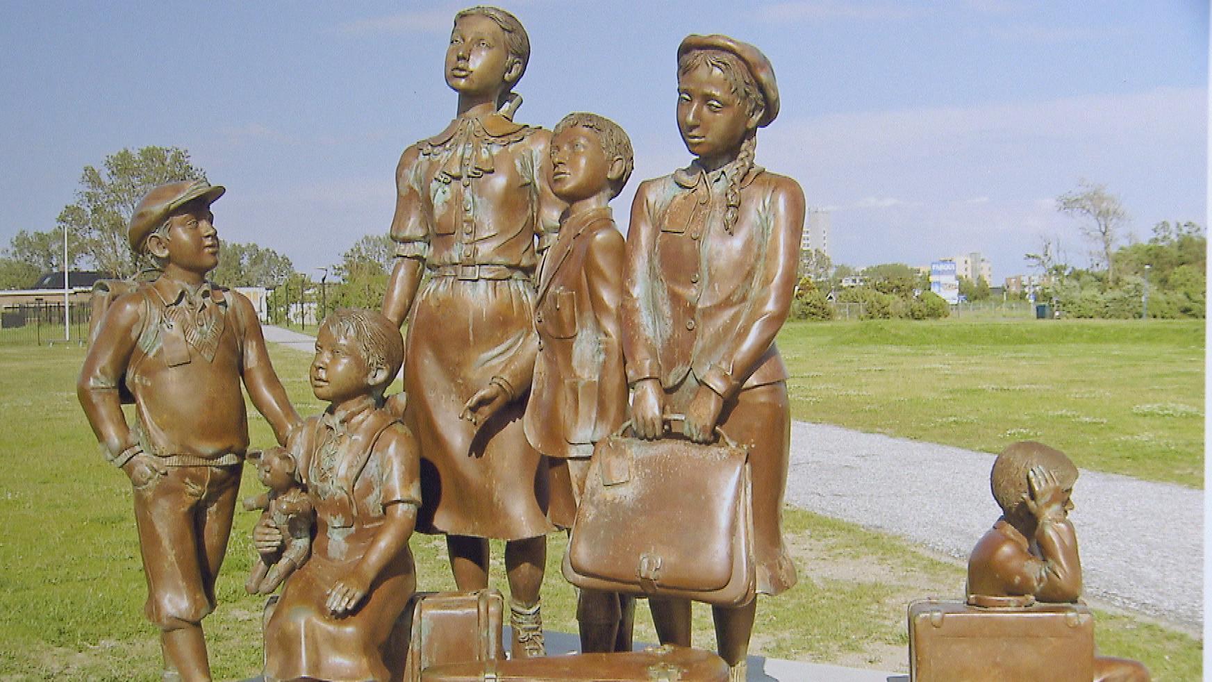 Skulptur zu Erinnerung an die Kindertransporte.