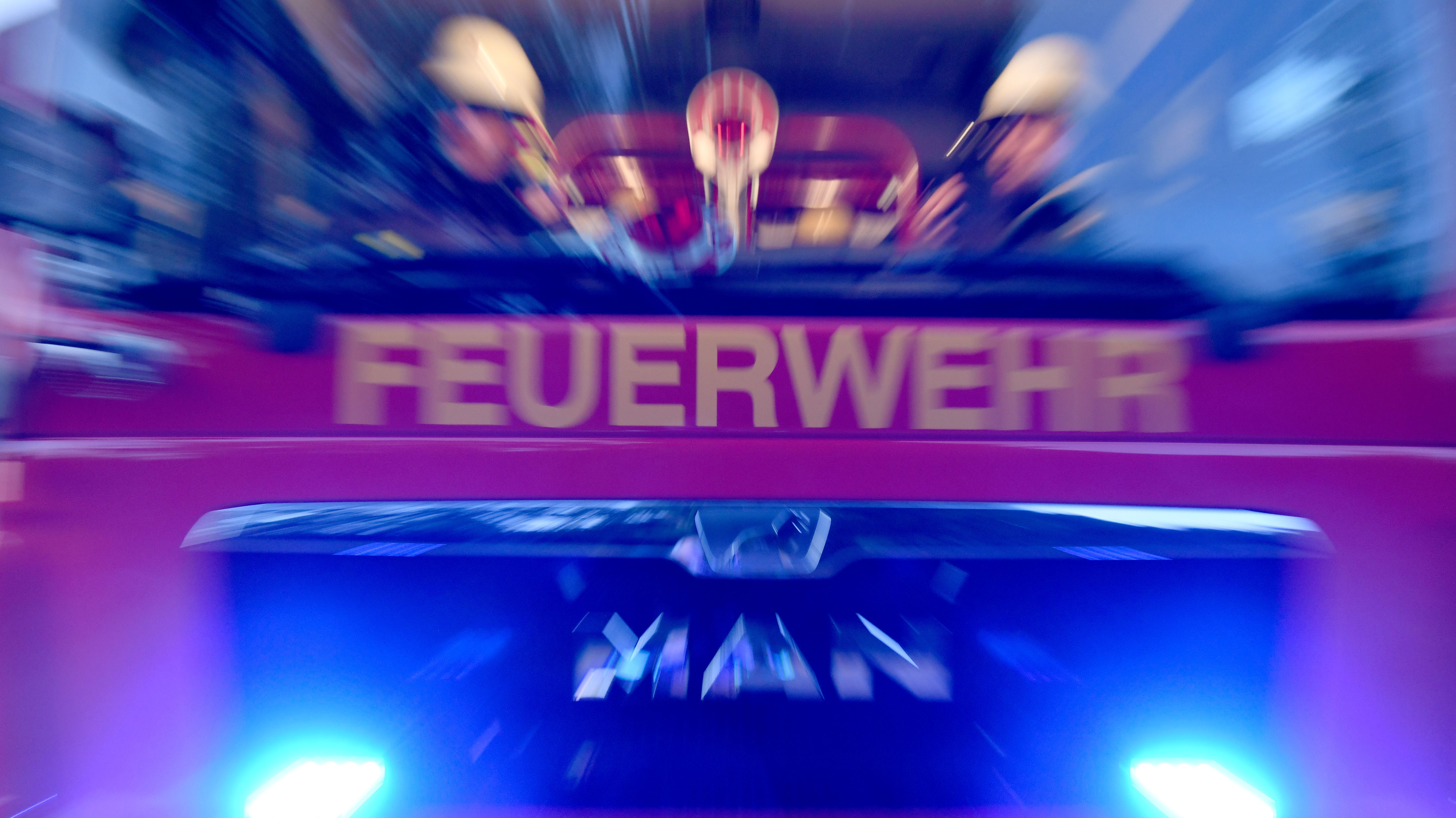 Feuerwehrfahrzeug im Einsatz