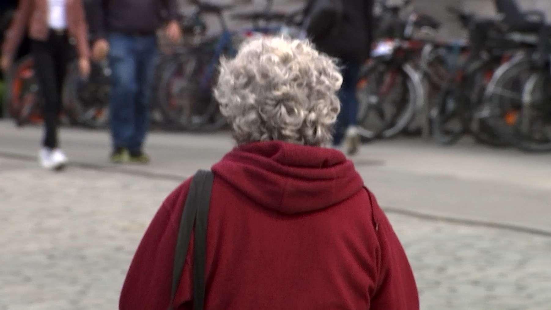 Frau auf der Straße