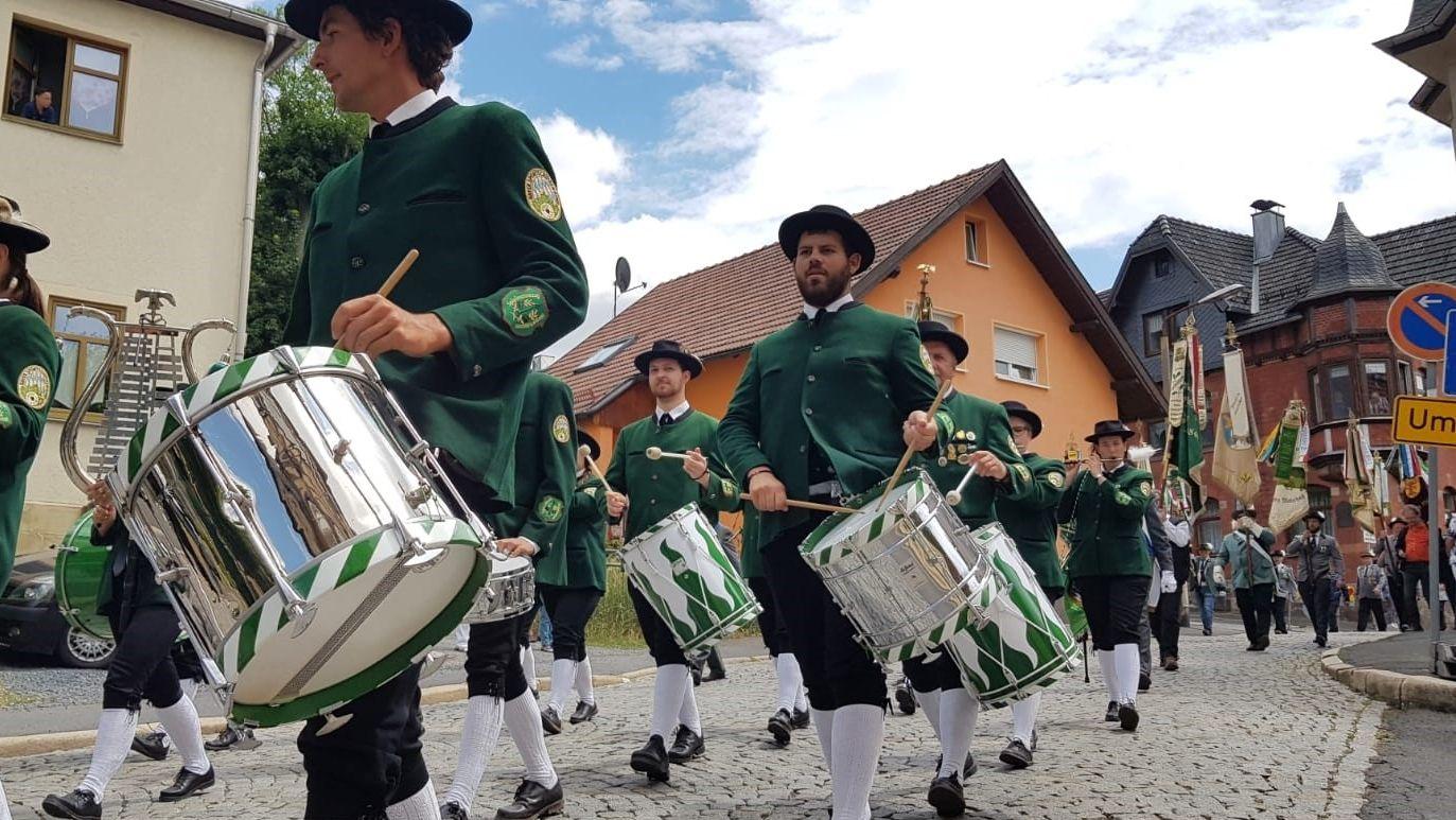 Tag der Franken: Schützenumzug in Sonneberg, Thüringen