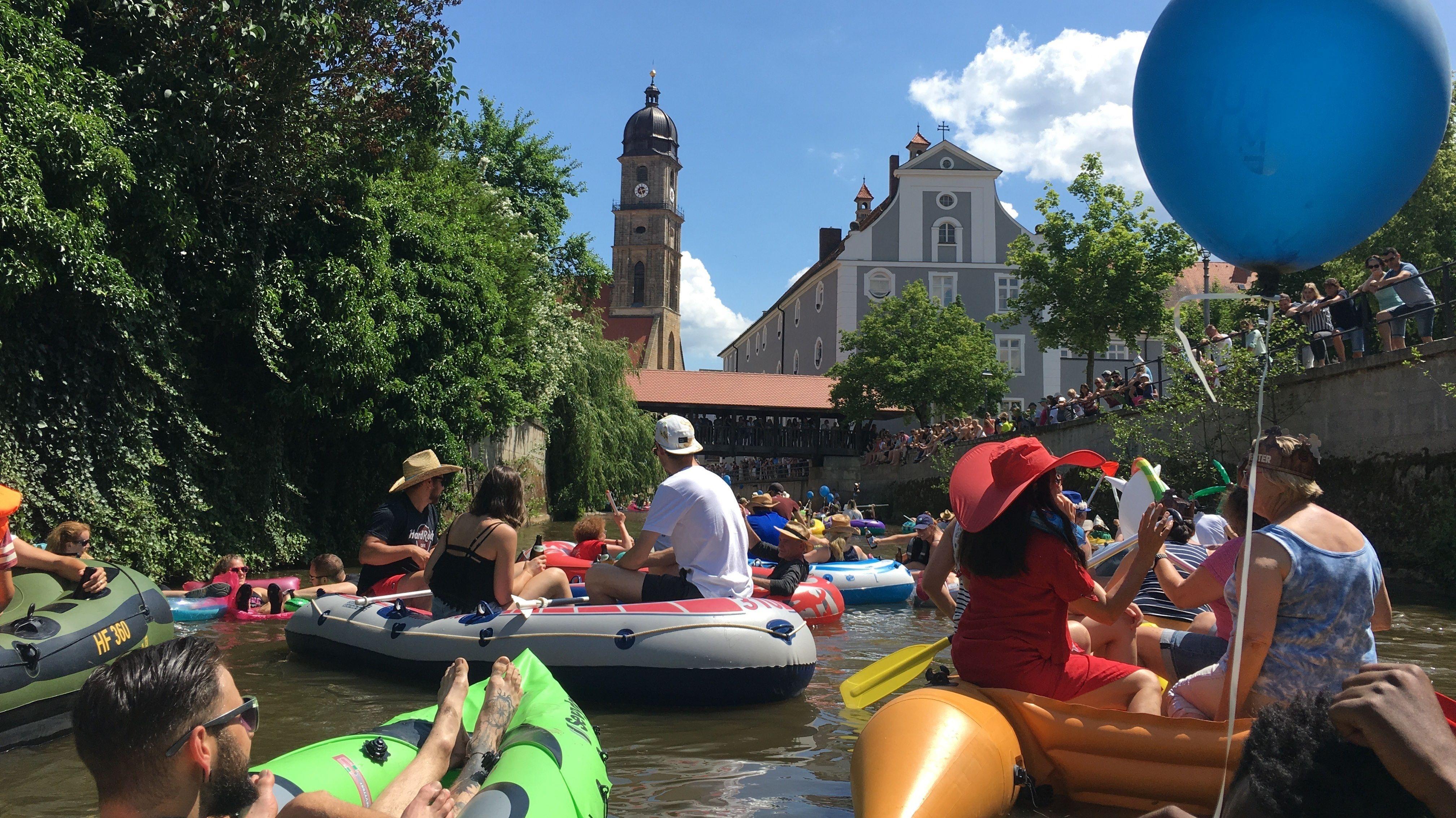Das alljährliche Luftboottreffen ist sonst im Sommer eine Attraktion in Amberg.