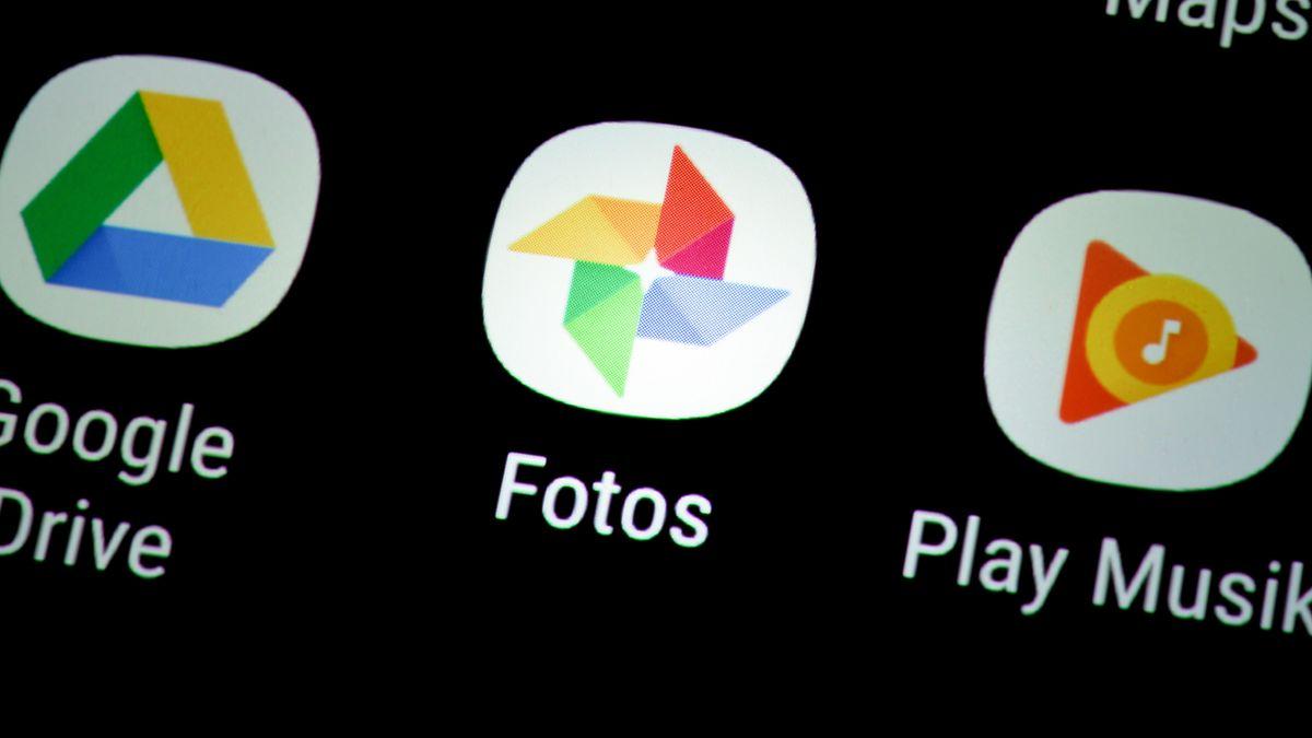 Icon von Google Fotos auf einem Smartphone