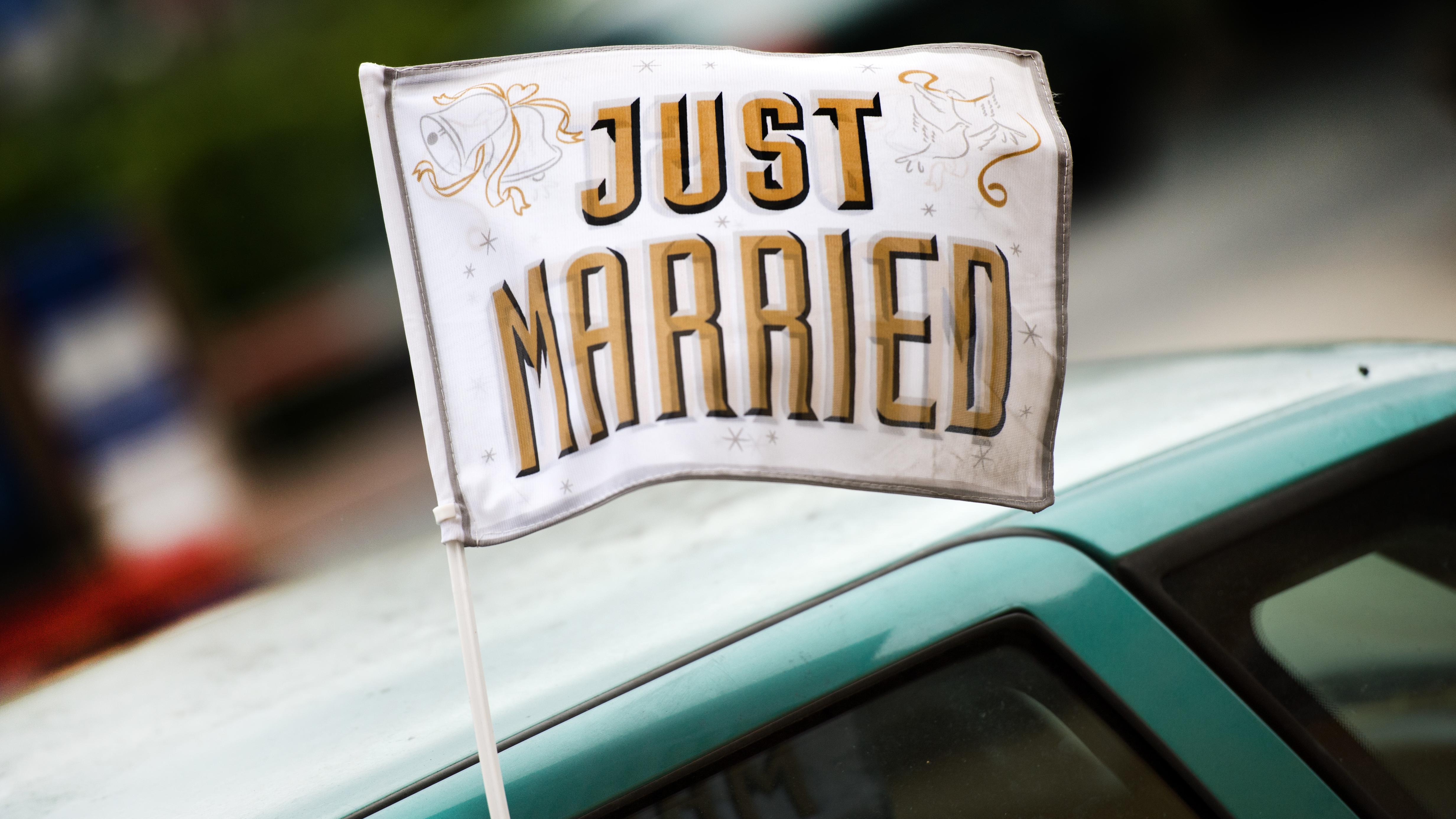 Symboldbild: Hochzeitsauto