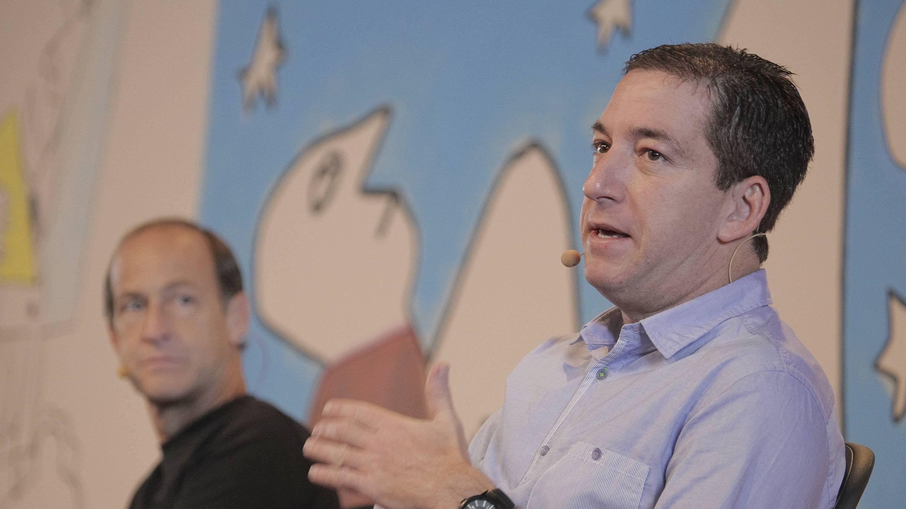 Glen Greenwald und Charles Ferguson bei einer Debatte zur Pressefreiheit in Brasilien