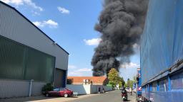 Rauchentwicklung bei Brand im Entsorgungsunternehmen | Bild:News5