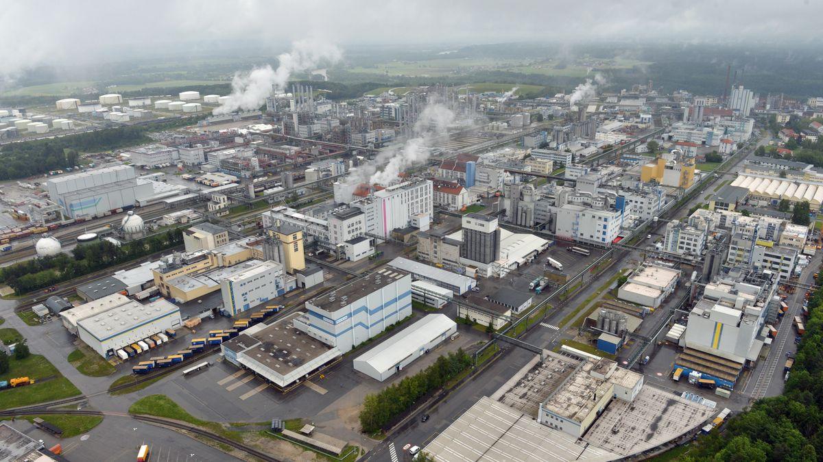Das Chemiewerk Wacker-Burghausen, aufgenommen am 03.06.2013.