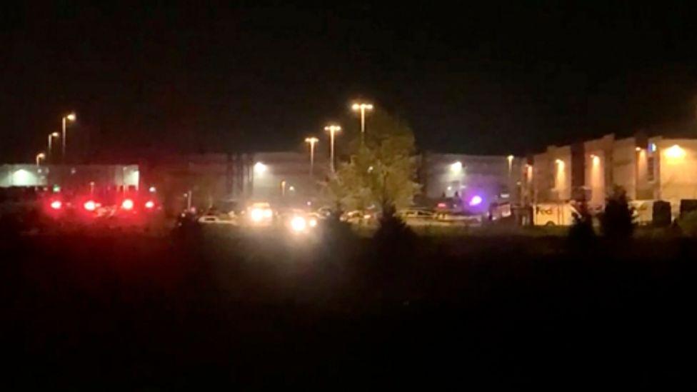Acht Tote durch Schüsse in Fedex-Niederlassung in Indianapolis