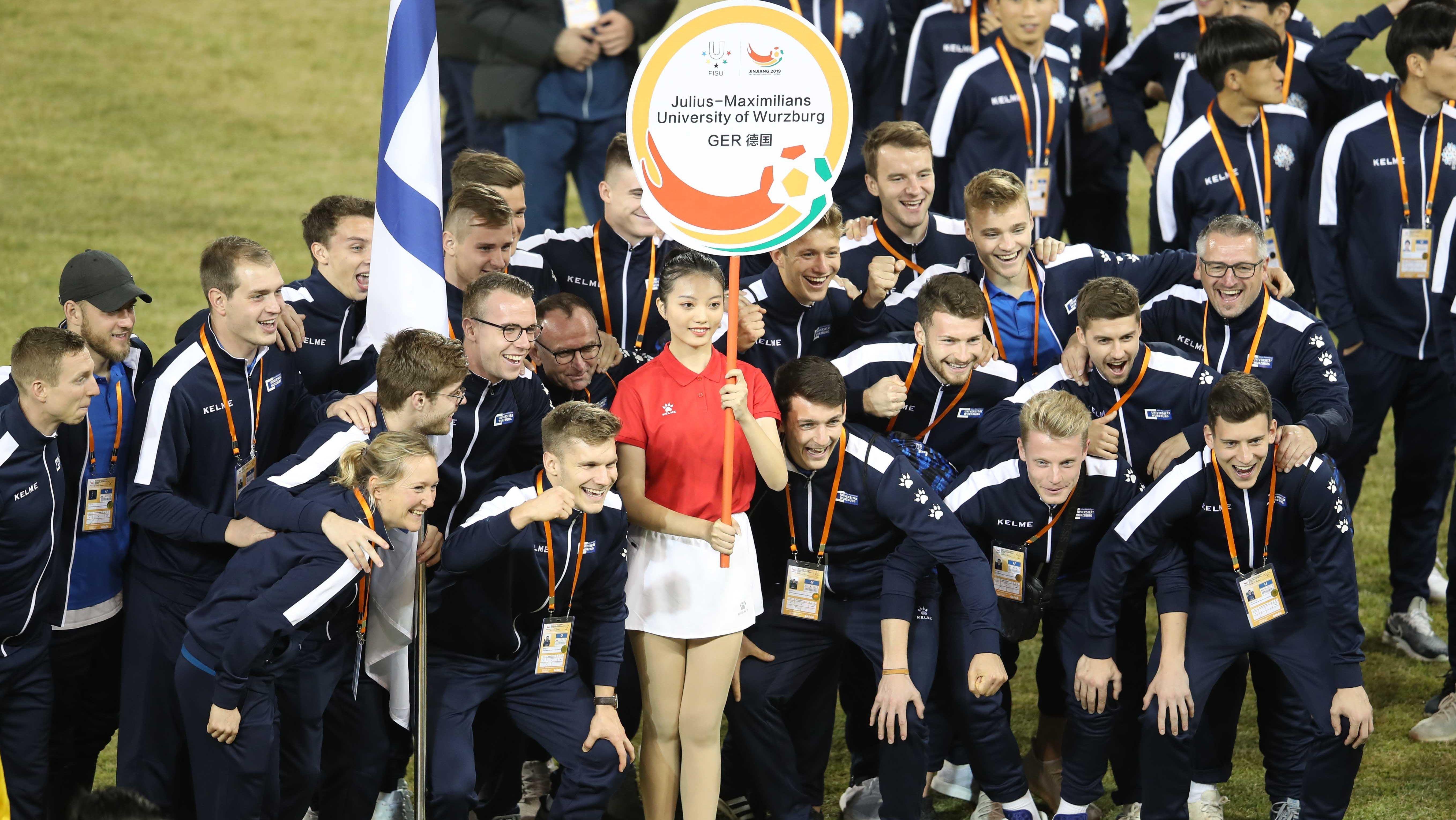 Die Fußballmannschaft der Julius-Maximilians-Universität Würzburg bei der Hochschul-WM im chinesischen Jinjiang