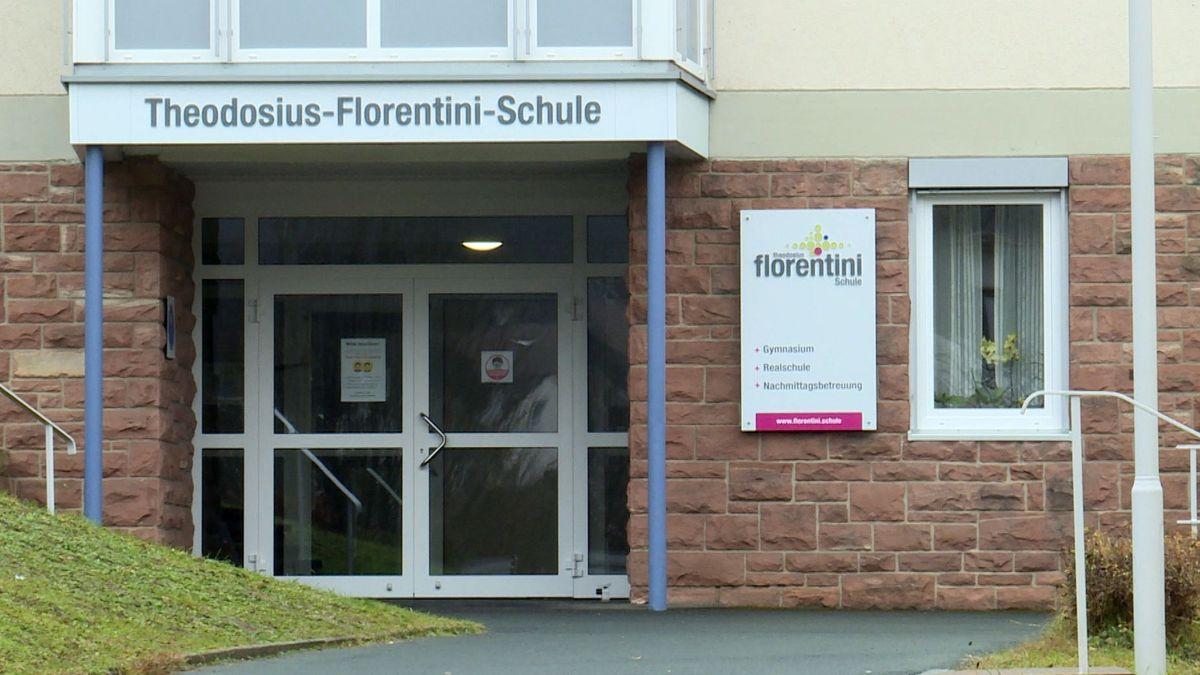 Eingang der Theodosius-Florentini-Schule in Gemünden