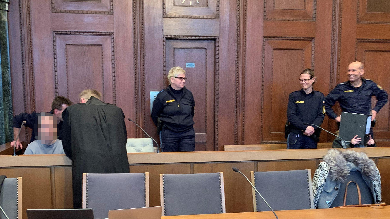 Prozess vor dem Landgericht Nürnberg-Fürth: Ein Pärchen soll einen Mann so misshandelt haben, dass er an den Verletzungen starb.