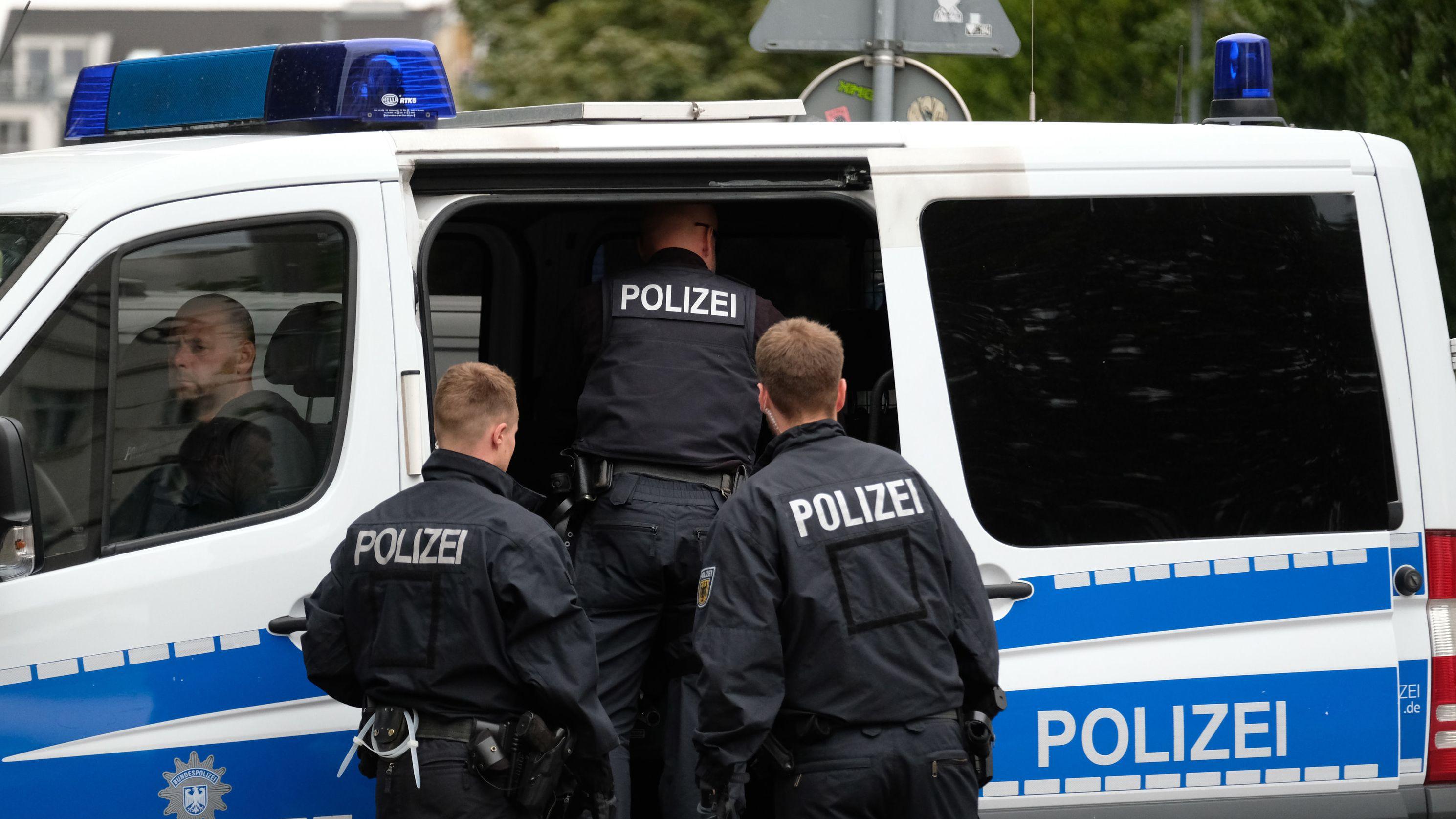 Razzien gegen Scheinehen, hier in Leipzig