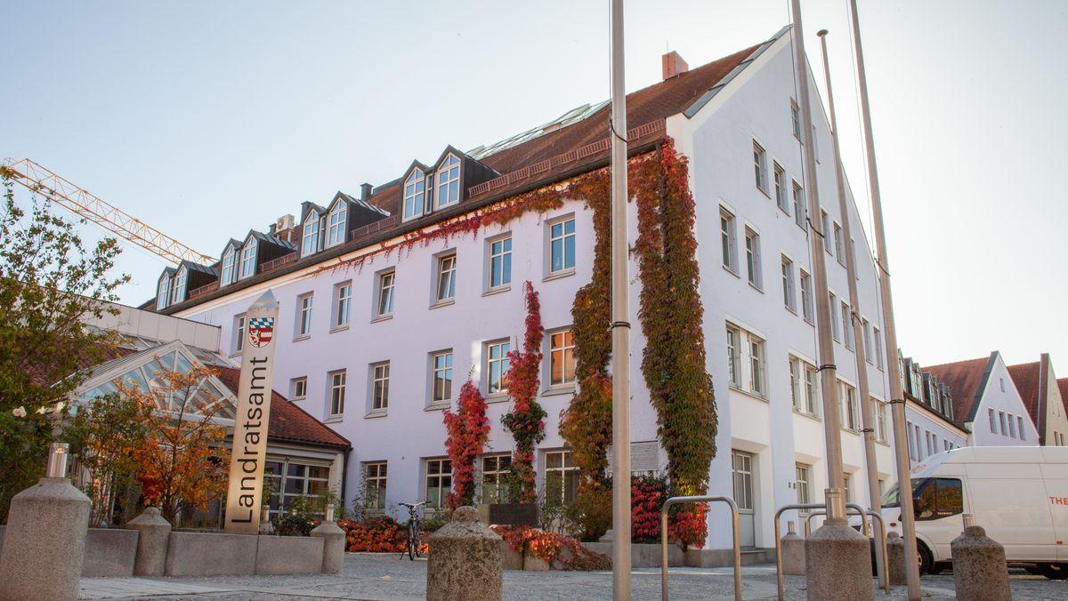 Aussenansicht des Landratsamts Dingolfing-Landau
