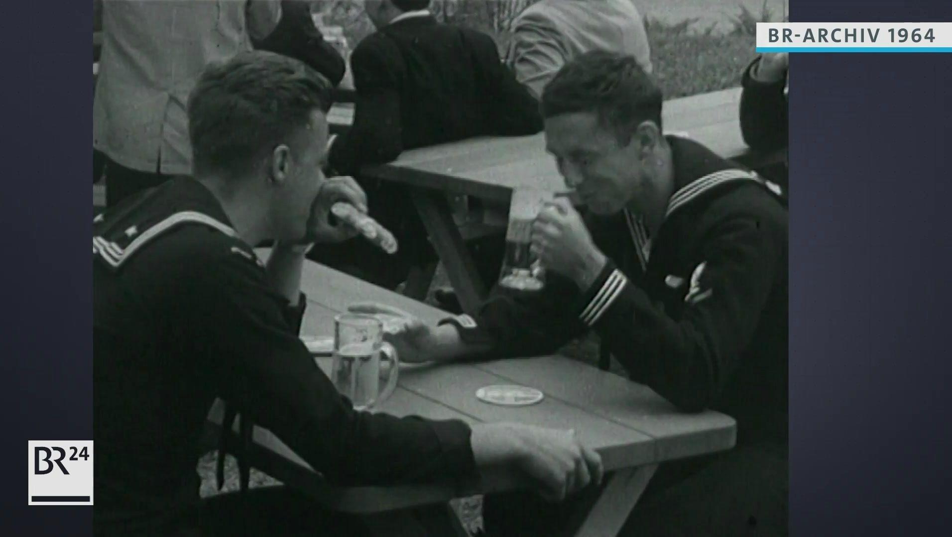 US-Soldaten trinken Bier