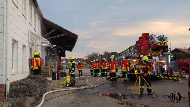Die Feuerwehr am Brandort