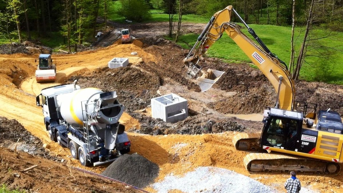 Bauarbeiten auf der B11