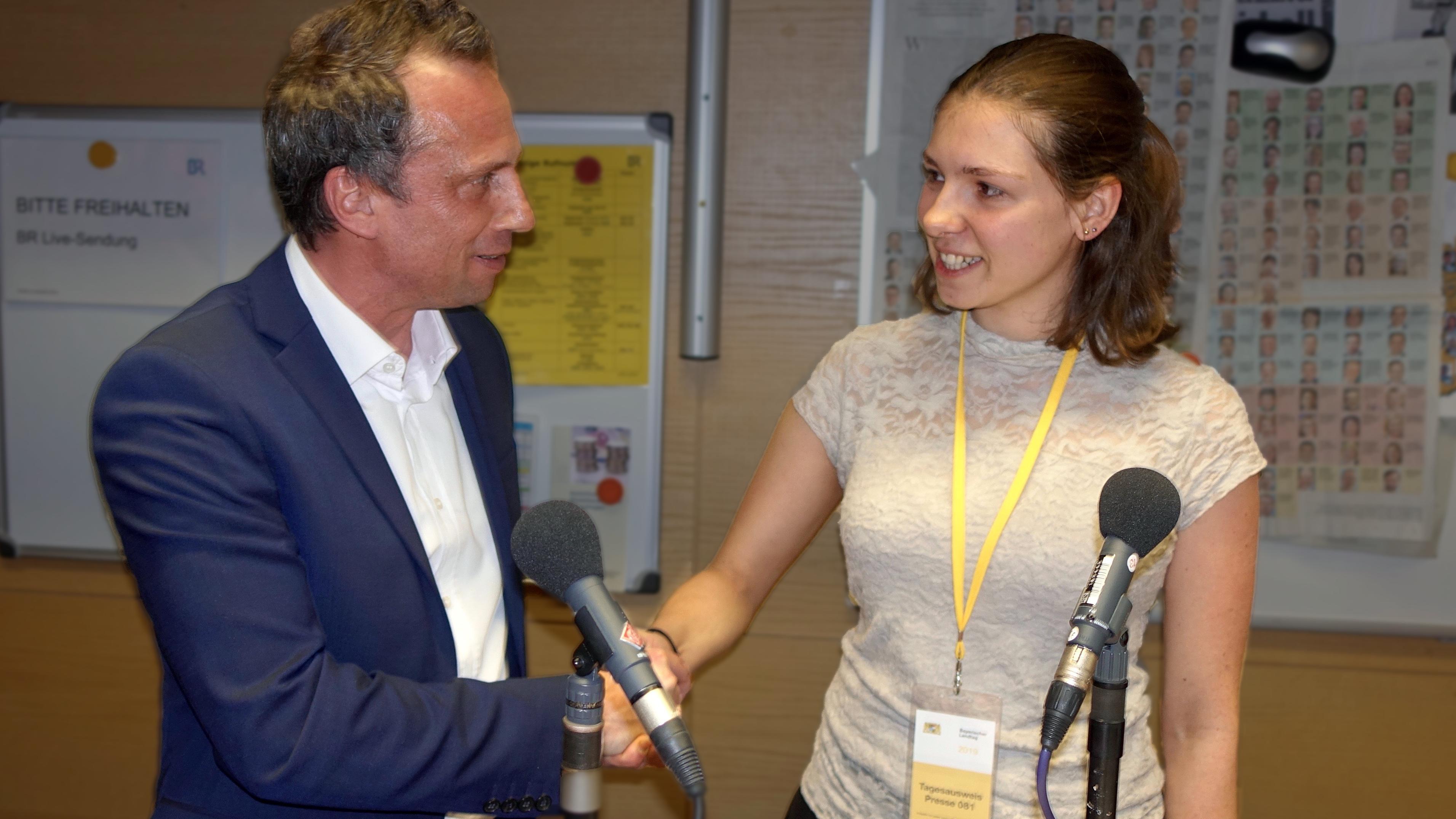 """Fridays for Future"": Studentin Wüst gibt Minister Glauber Kontra"