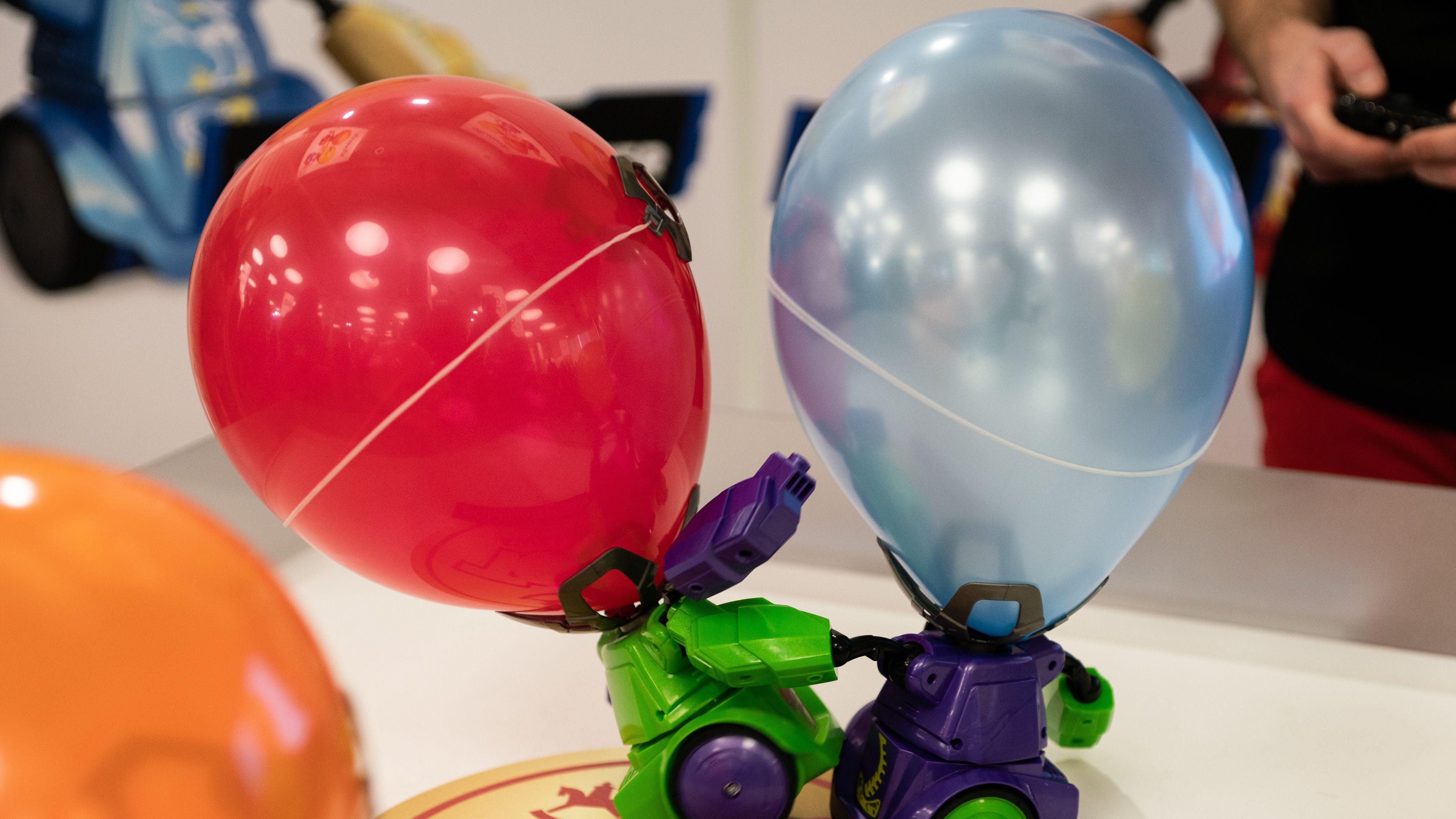"""Die """"Balloon Puncher"""" von Silverlit"""