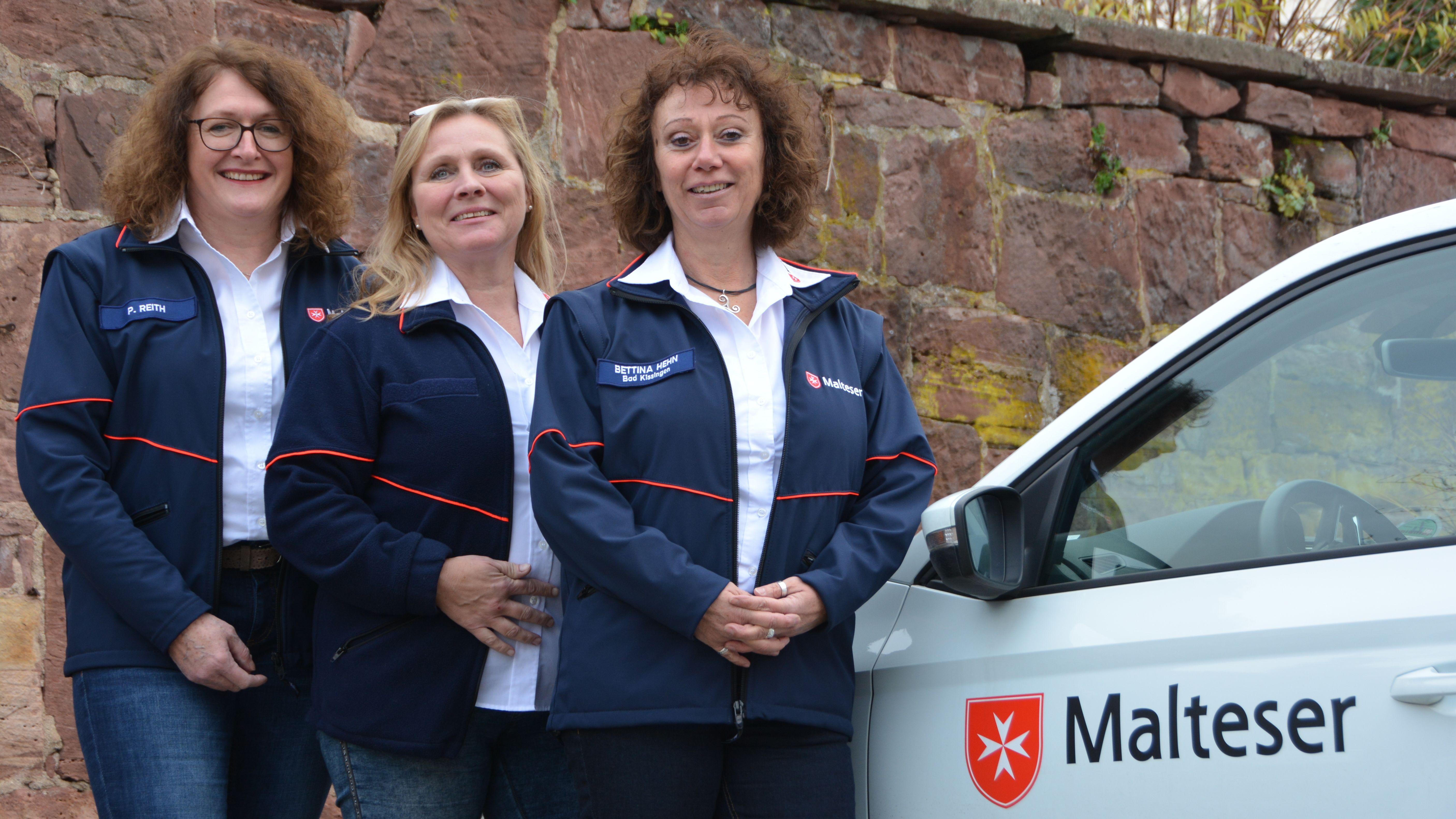 Petra Reith, Bettina Hehn und Brigitte Schlee-Söder vermitteln Telefonbesuche