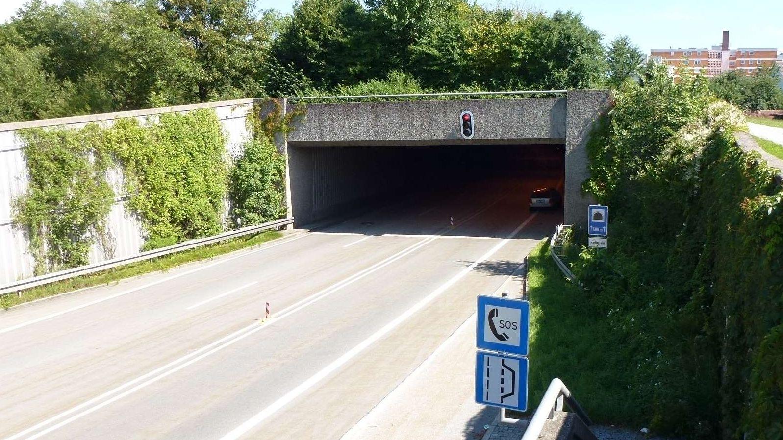Einfahrt in einen der B11-Tunnel in Deggendorf