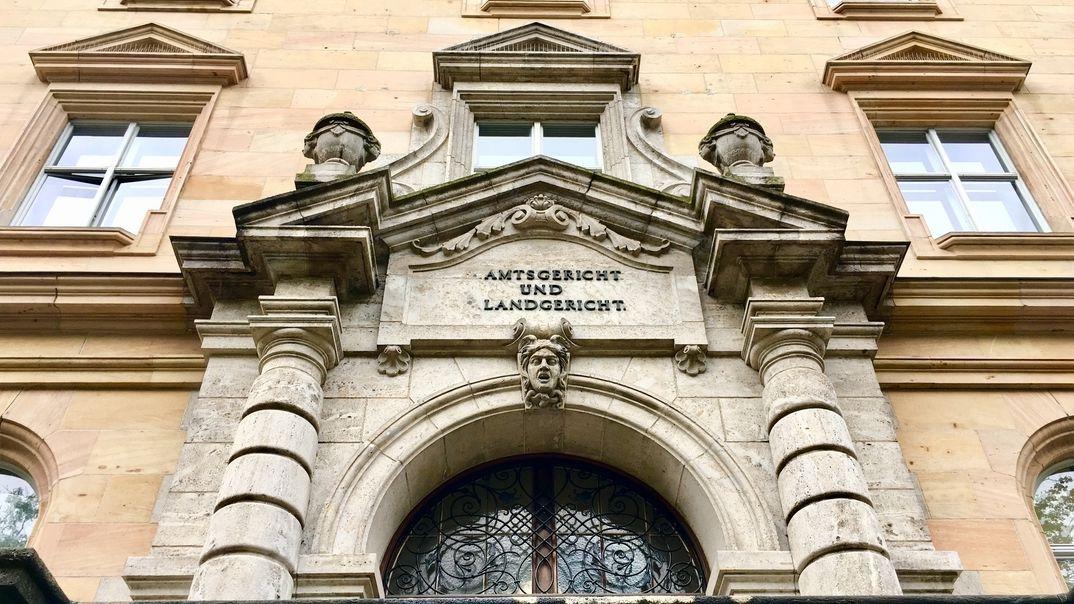 Außenfassade des Landgerichts Regensburg