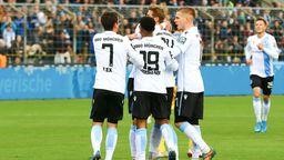 Dennis Dressel feiert seinen Treffer zum 2:0. | Bild:picture-alliance/dpa