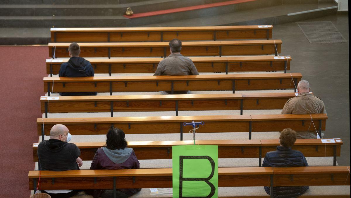 Viele Pfingst-Gottesdienste in Bayern finden mit Abstand und Maskenpflicht statt.
