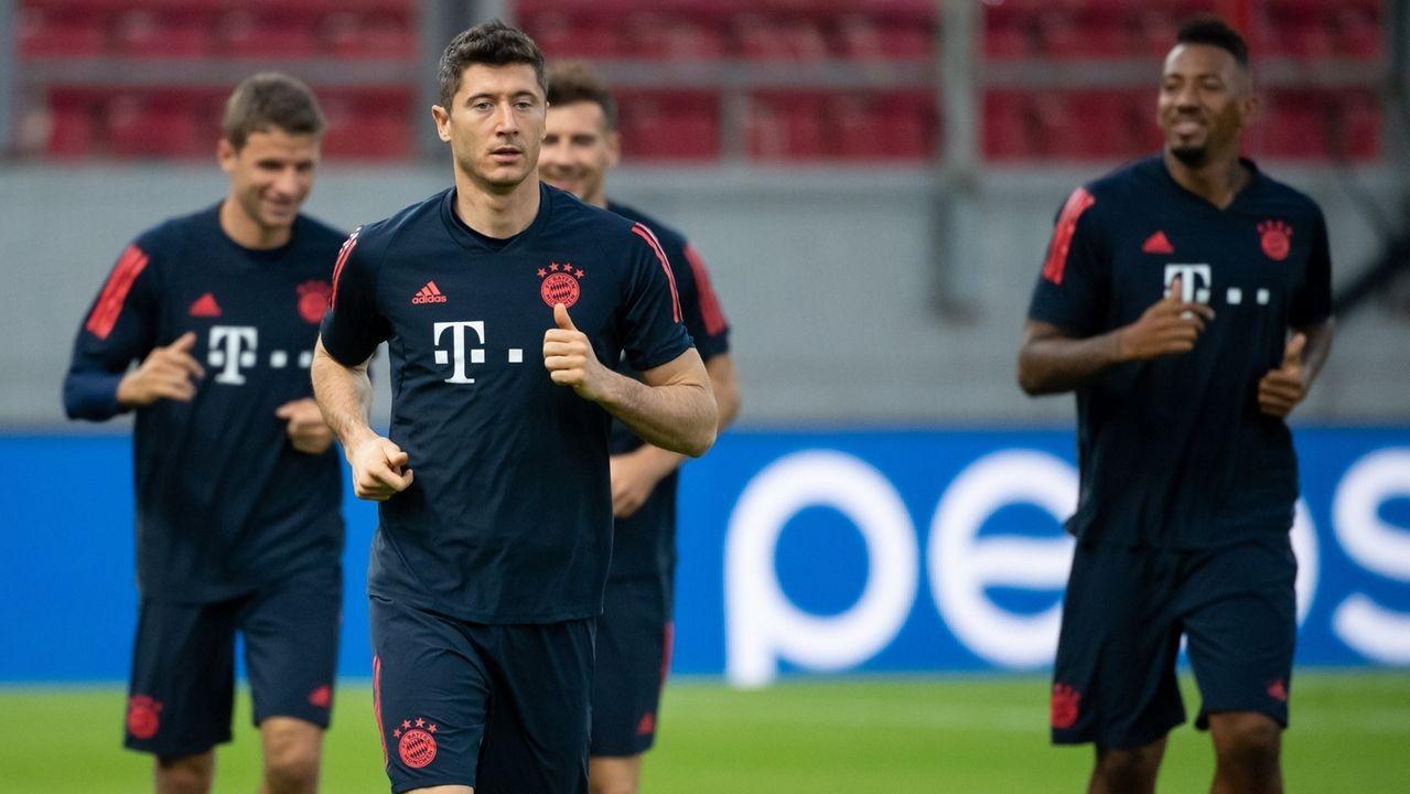 FC Bayern beim Training vor dem Spiel in Piräus