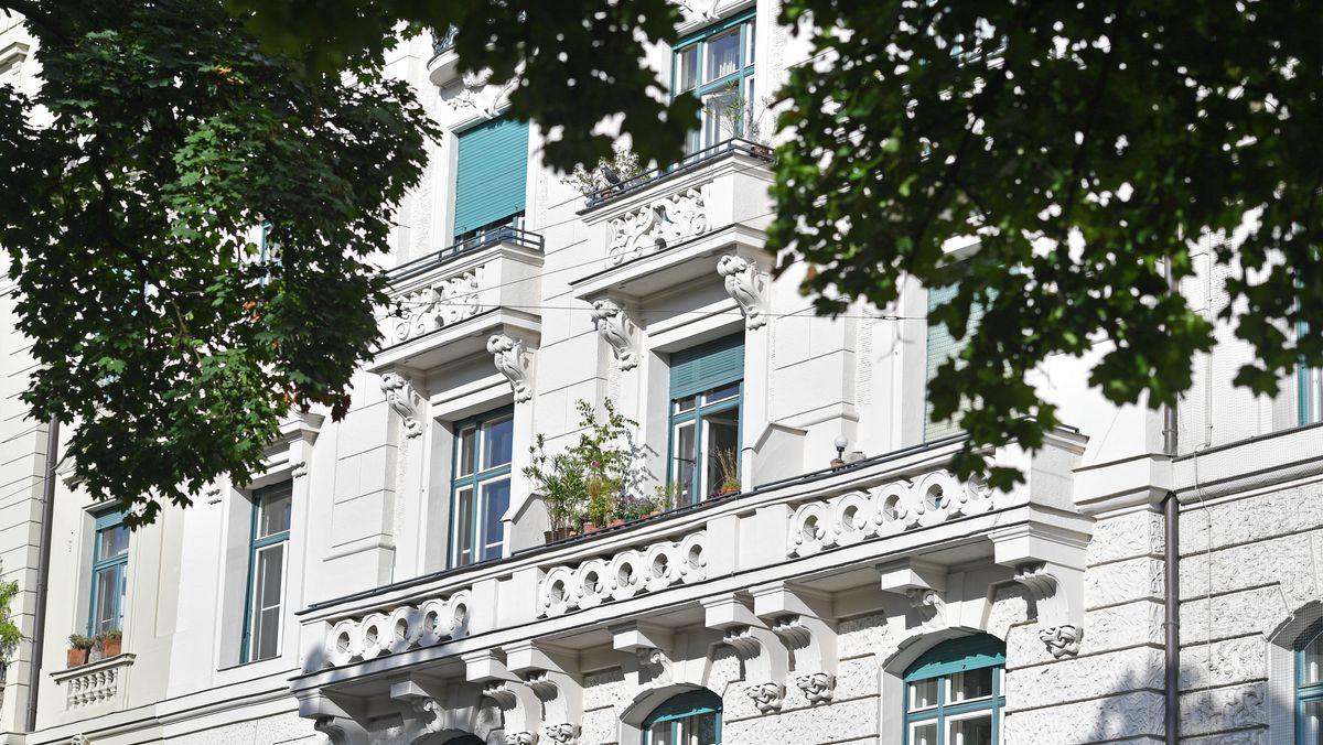 Wer heute schon einen schönen Altbau wie diesen in München besitzt, kann sich glücklich schätzen. Denn die Bodenpreise explodieren seit Jahren.