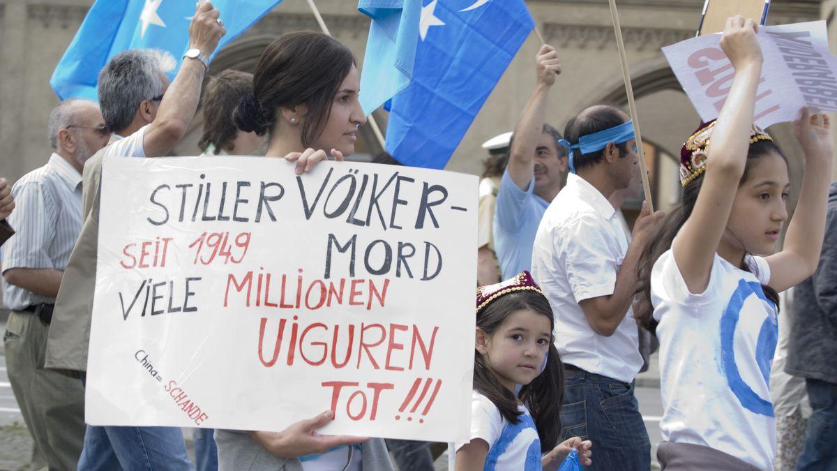Archiv: Demonstration der Uiguren in München gegen das Vorgehen der chinesischen Regierung gegen ihre Volksgruppe